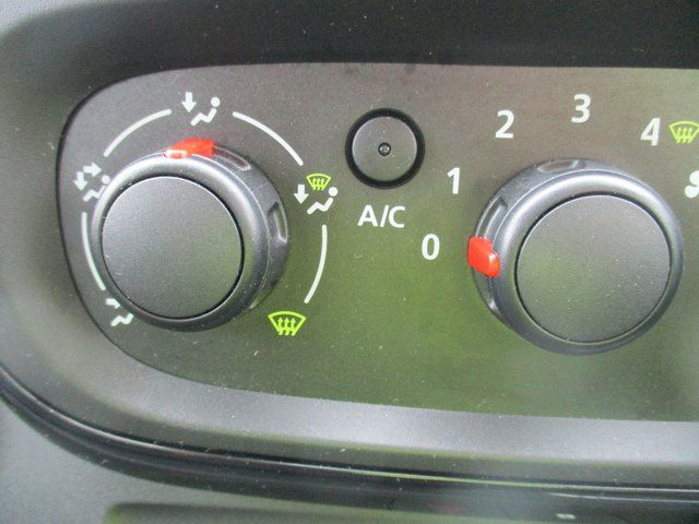 2017 Vauxhall Vivaro 2700 1.6 CDTI 120 PS SPORTIVE VAN (FD67RKV) Image 16