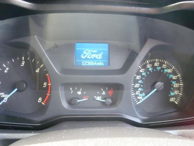 2015 Ford Transit Custom 290 L1 DIESEL FWD 2.2  TDCI 100PS LOW ROOF VAN EURO 5 (FE15TZN) Image 21