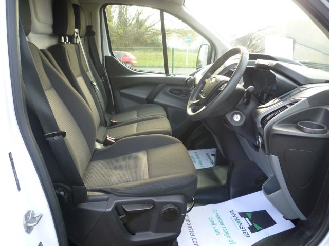 2015 Ford Transit Custom 290 L1 DIESEL FWD 2.2  TDCI 100PS LOW ROOF VAN EURO 5 (FE15TZN) Image 17