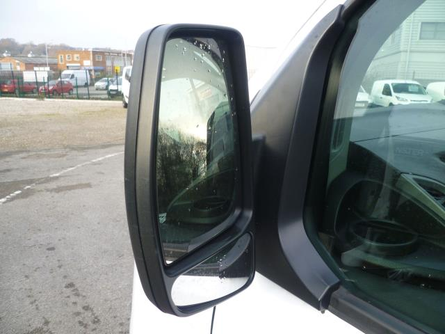2015 Ford Transit Custom 290 L1 DIESEL FWD 2.2  TDCI 100PS LOW ROOF VAN EURO 5 (FE15TZN) Image 11