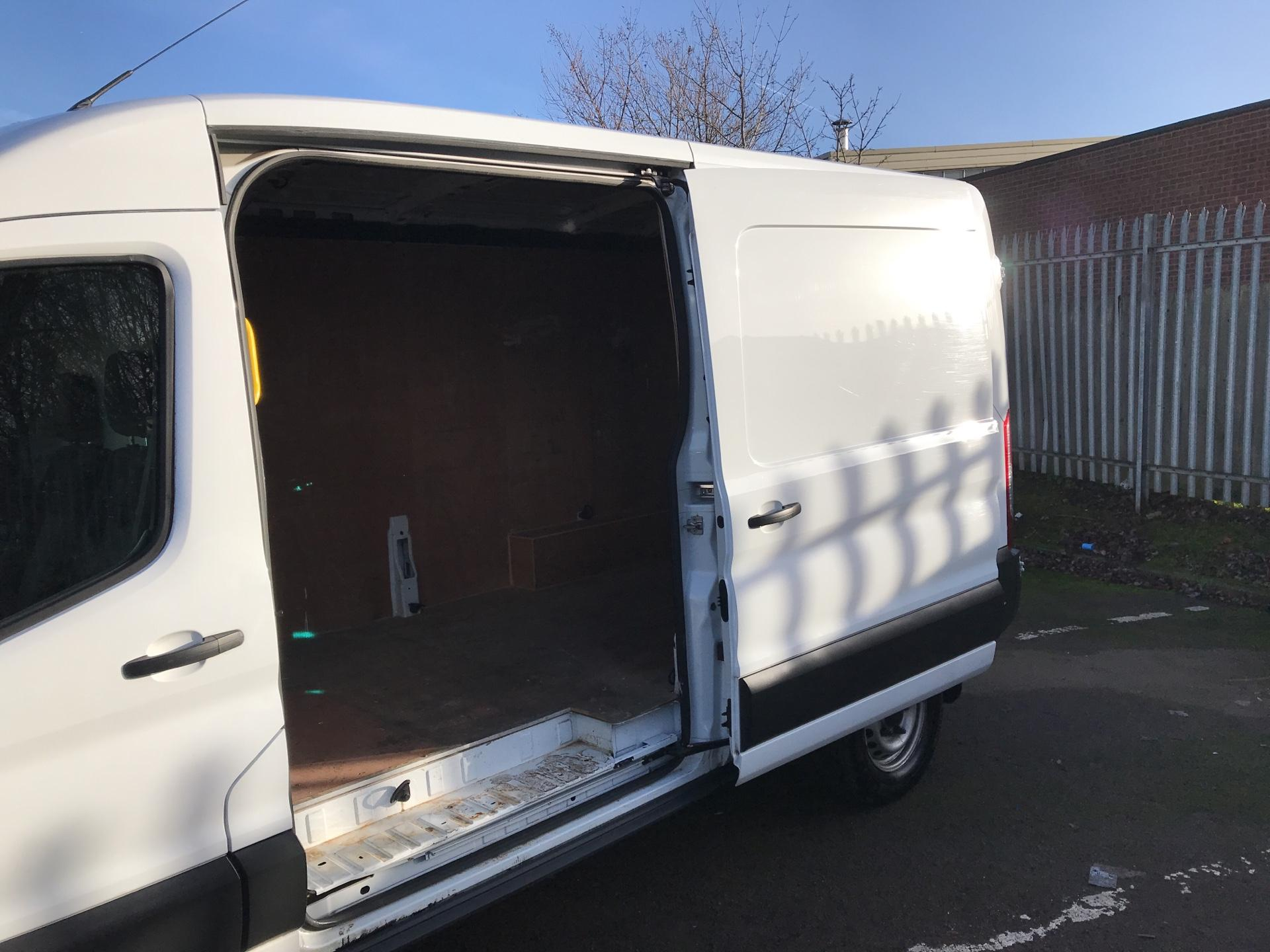 2015 Ford Transit 350 L3 H2 VAN 125PS EURO 5 *VALUE RANGE VEHICLE - CONDITION REFLECTED IN PRICE* (FE15UAN) Image 29