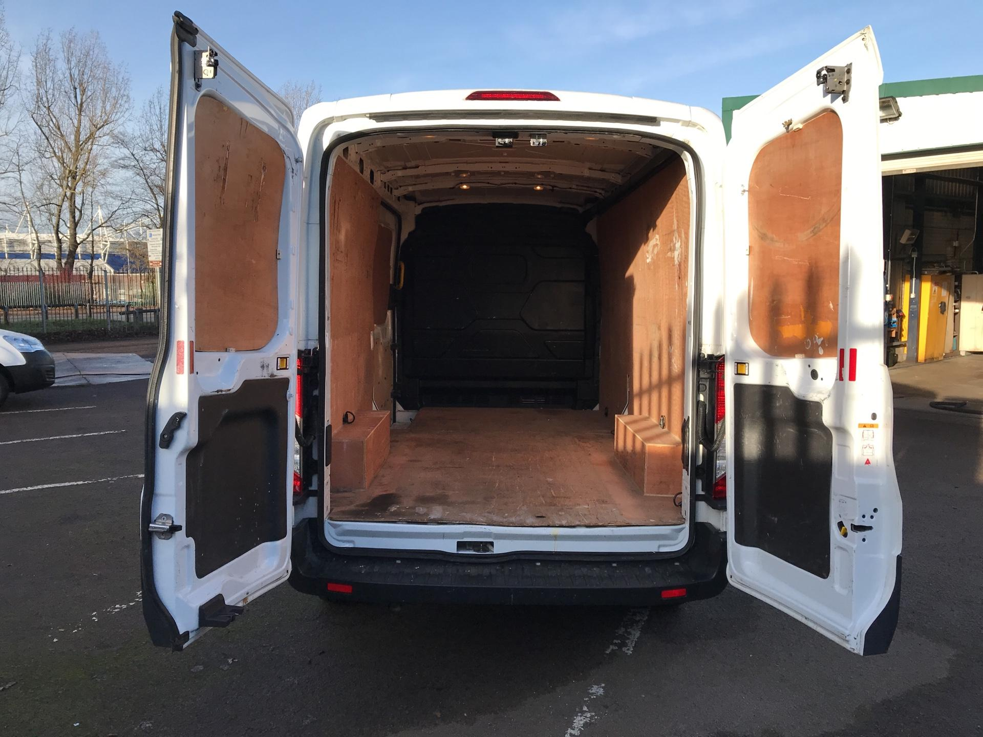 2015 Ford Transit 350 L3 H2 VAN 125PS EURO 5 *VALUE RANGE VEHICLE - CONDITION REFLECTED IN PRICE* (FE15UAN) Image 26