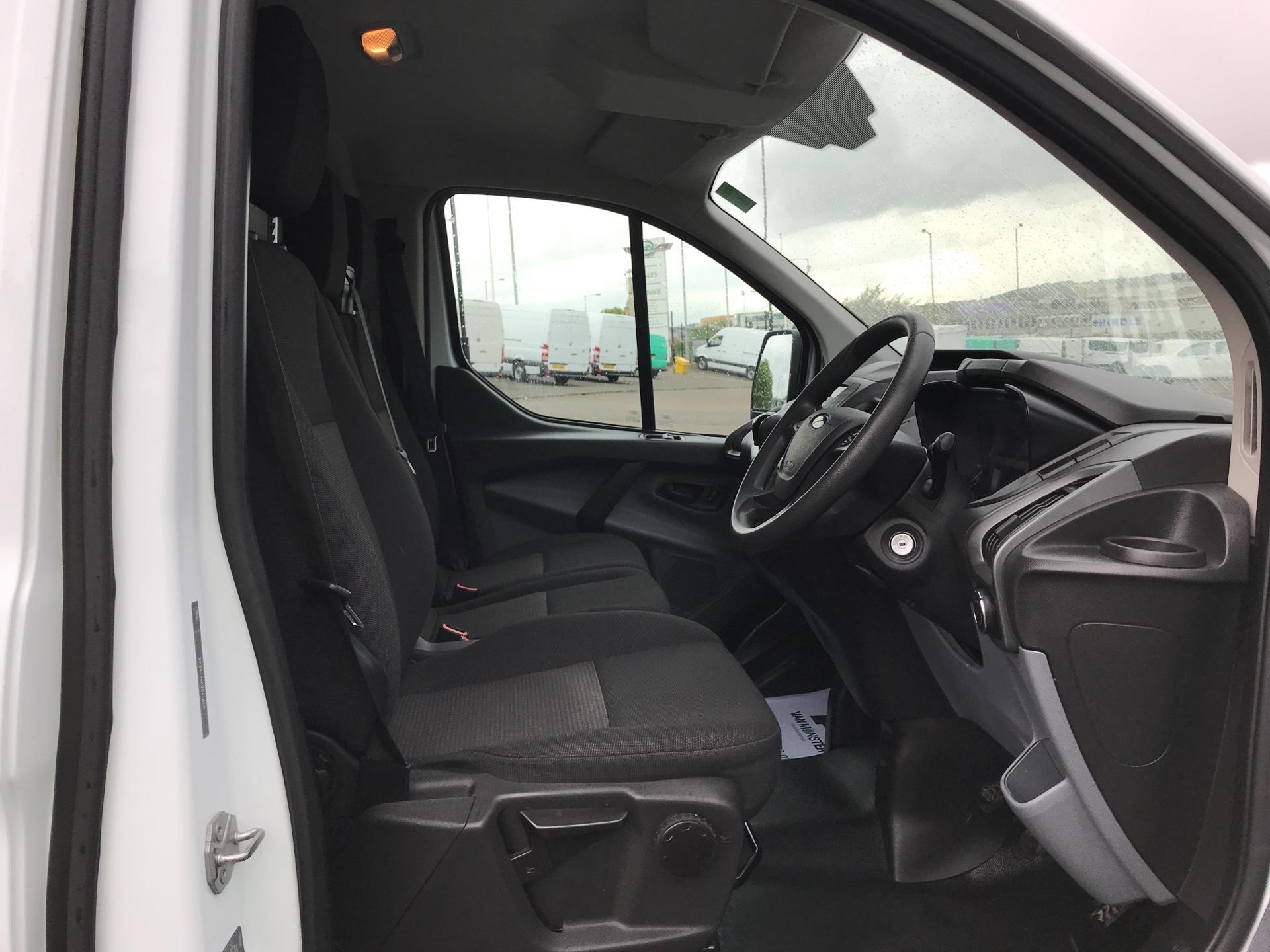 2015 Ford Transit Custom 2.2 Tdci 100Ps Low Roof Van (FE15UCG) Image 9