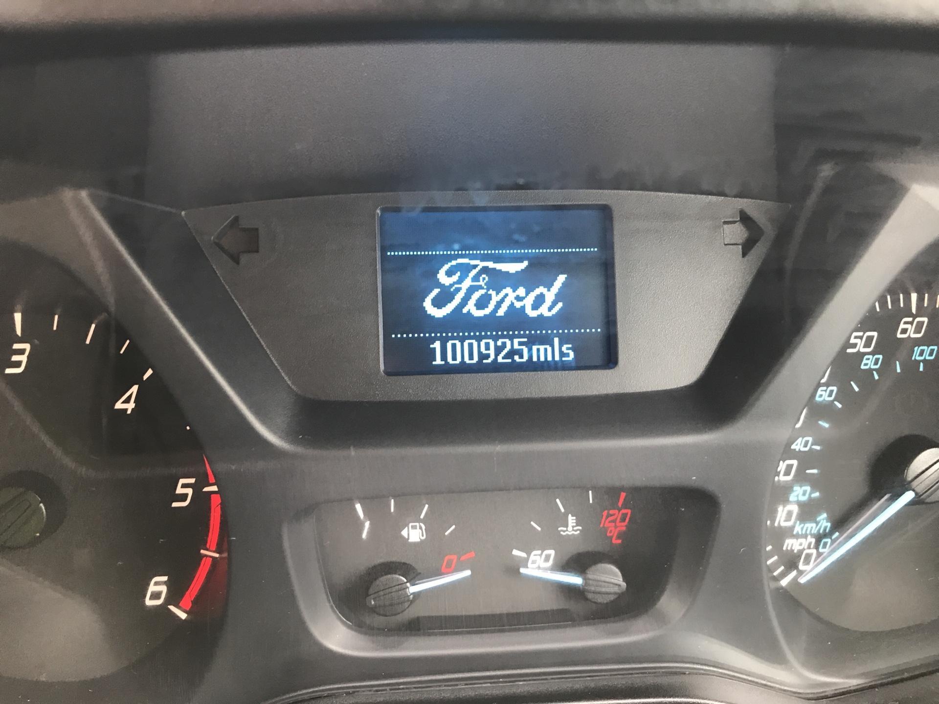 2015 Ford Transit Custom 2.2 Tdci 100Ps Low Roof Van (FE15UCG) Image 13