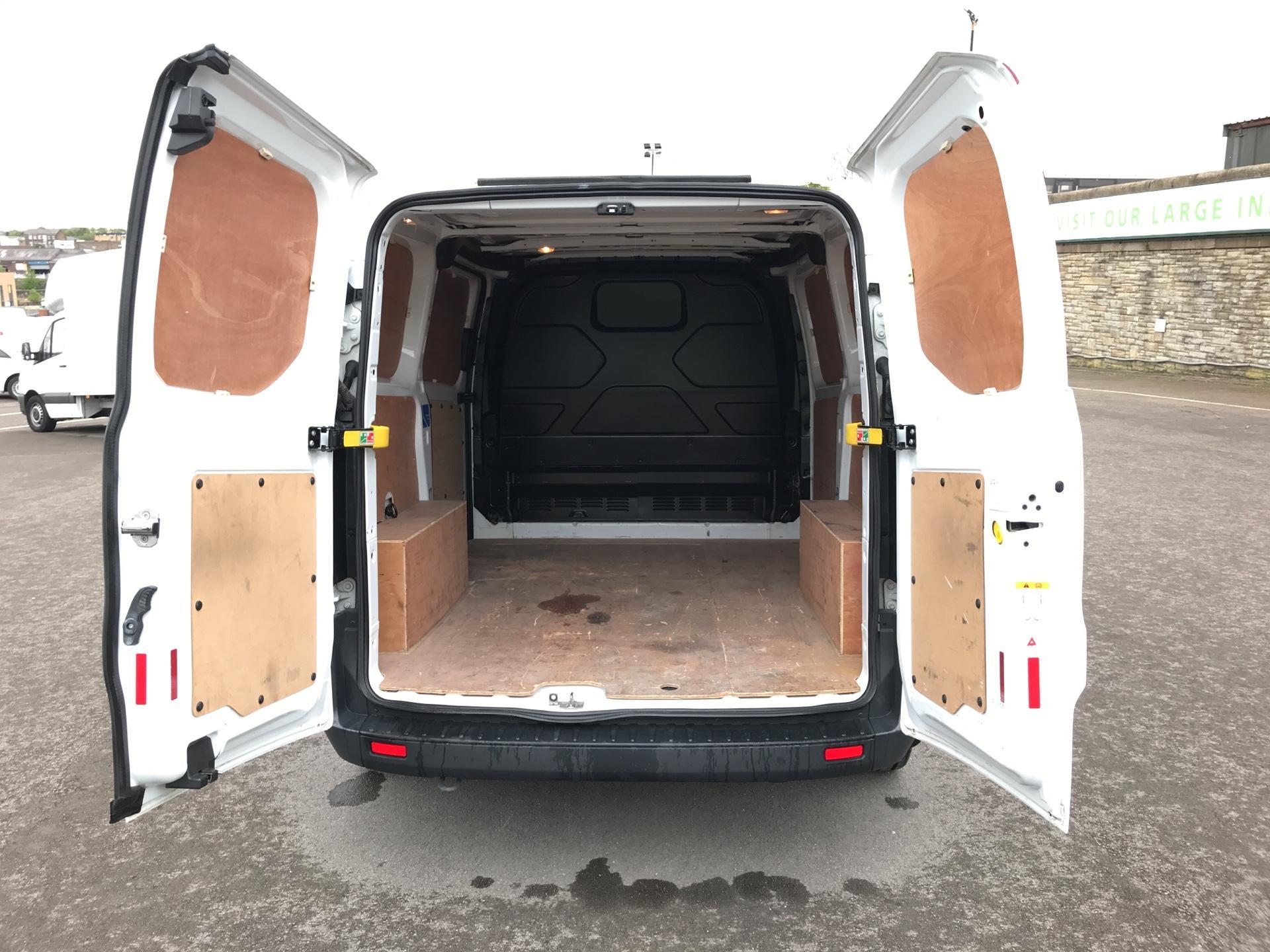 2015 Ford Transit Custom 2.2 Tdci 100Ps Low Roof Van (FE15UCG) Image 19