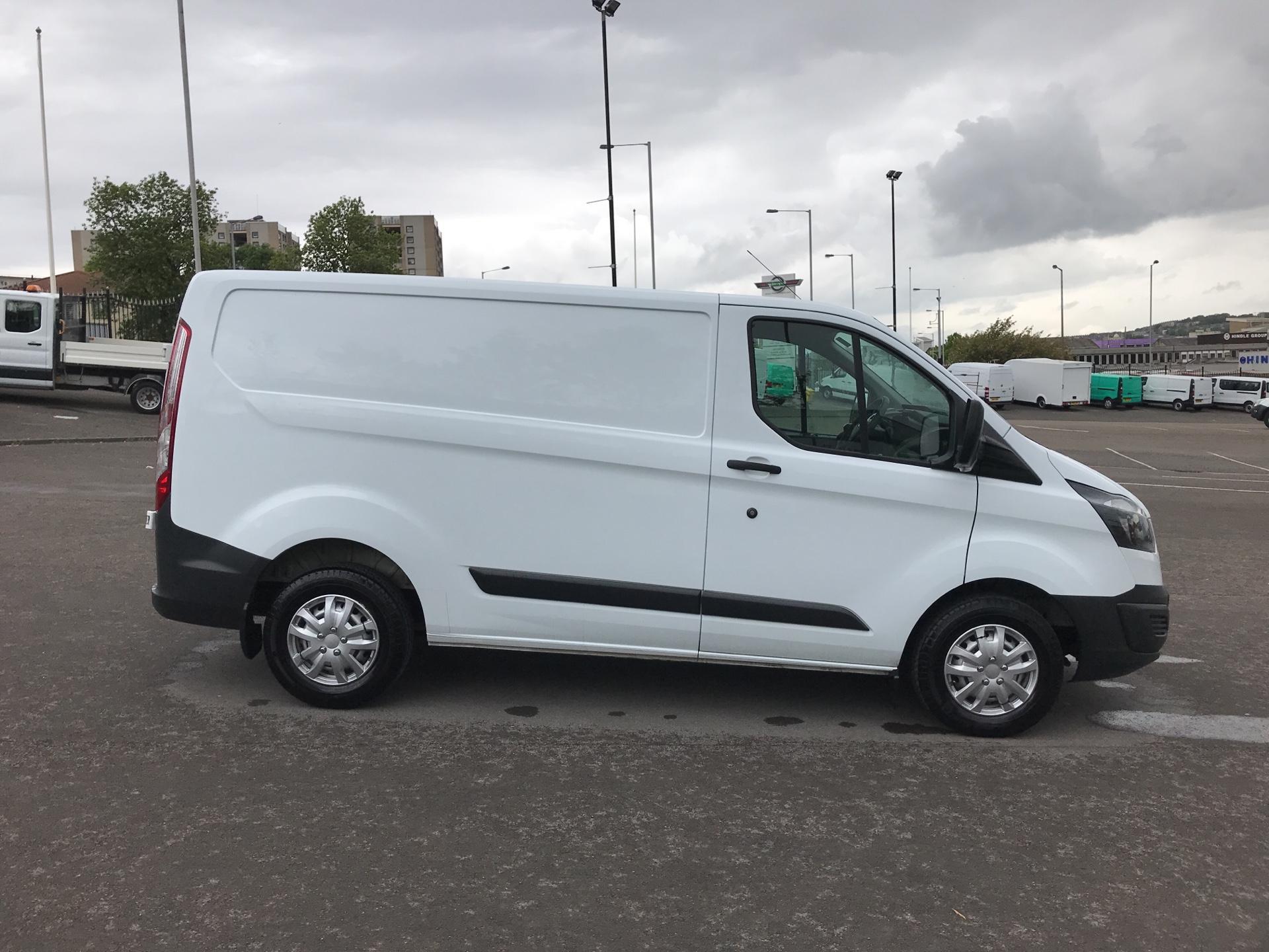 2015 Ford Transit Custom 2.2 Tdci 100Ps Low Roof Van (FE15UCG) Image 2
