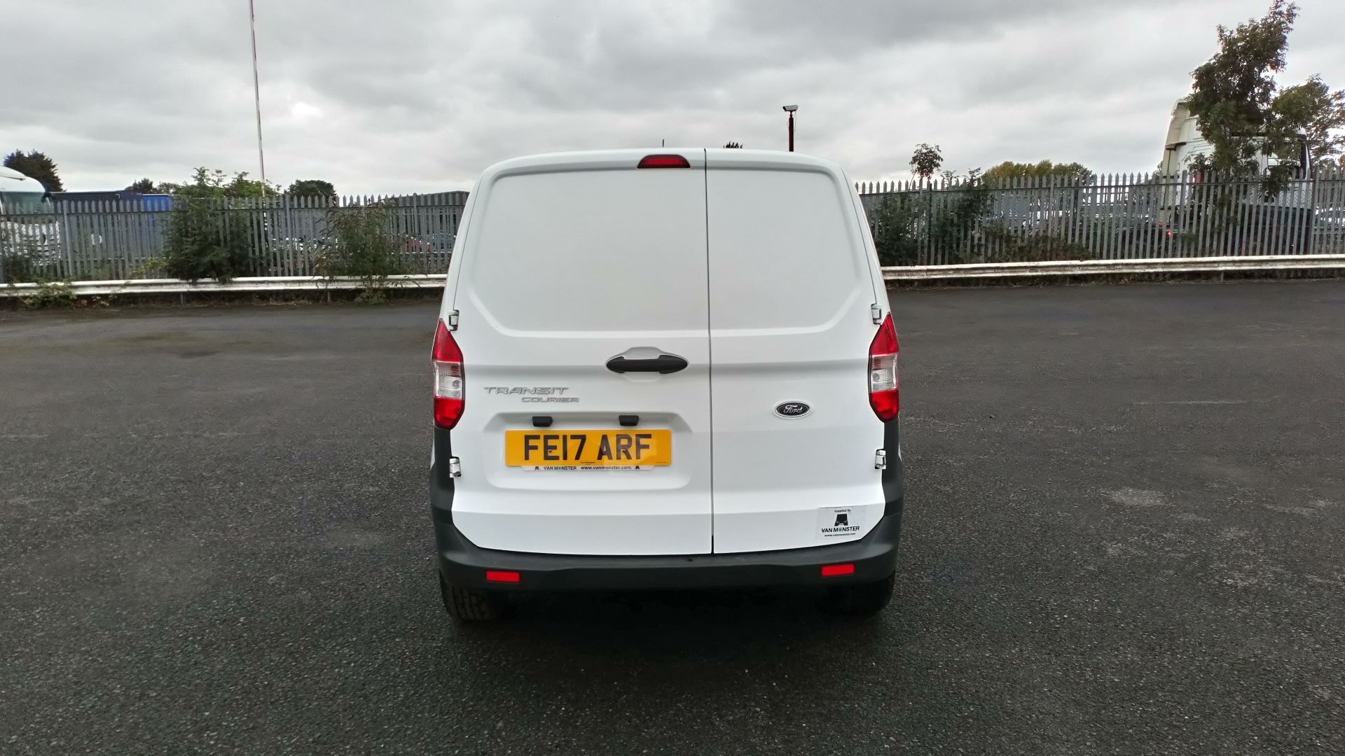 2017 Ford Transit Courier 1.5 Tdci Van (FE17ARF) Image 6