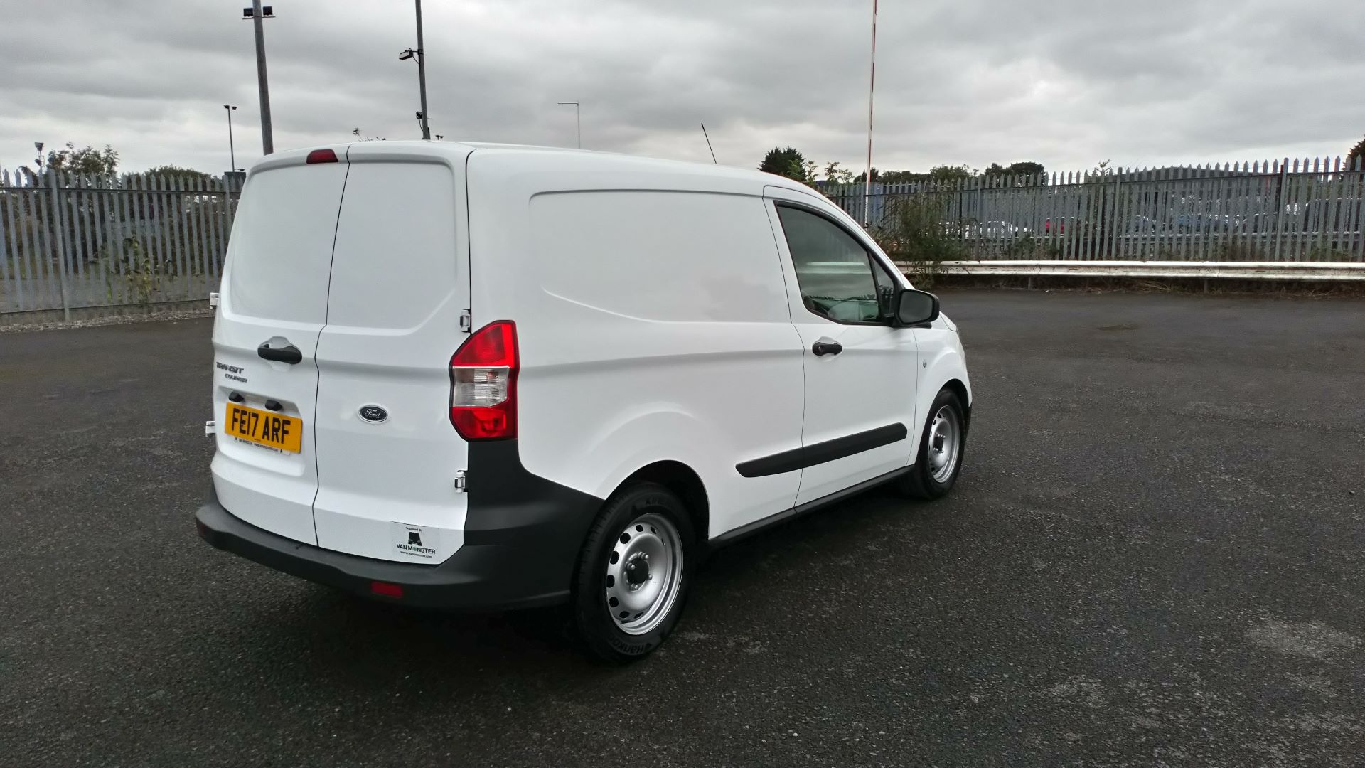 2017 Ford Transit Courier 1.5 Tdci Van (FE17ARF) Image 7
