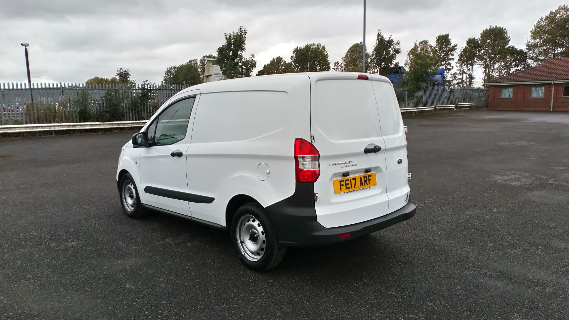 2017 Ford Transit Courier 1.5 Tdci Van (FE17ARF) Image 5