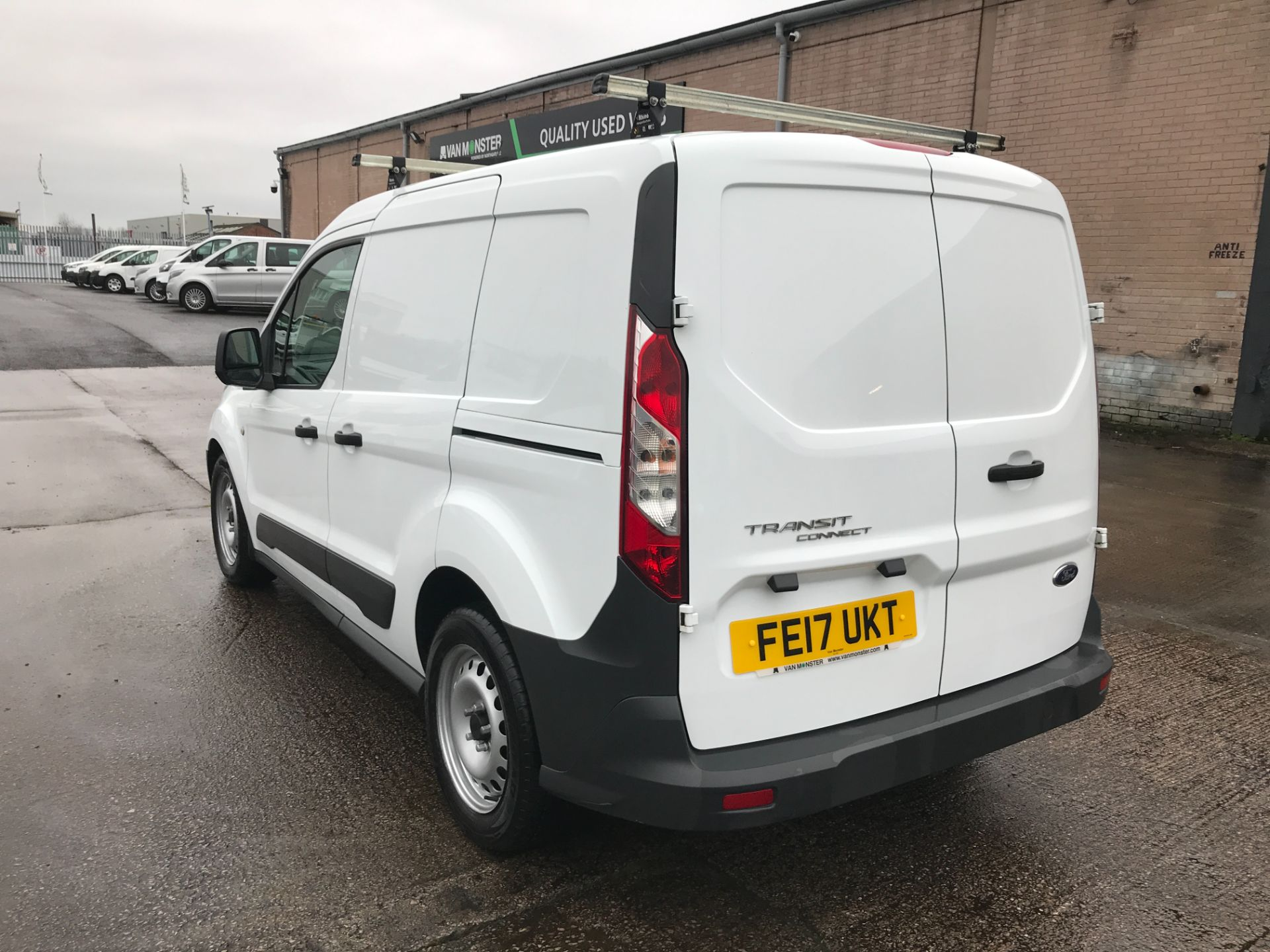 2017 Ford Transit Connect T200 L1 H1 1.5TDCI 75PS EURO 6  (FE17UKT) Thumbnail 10