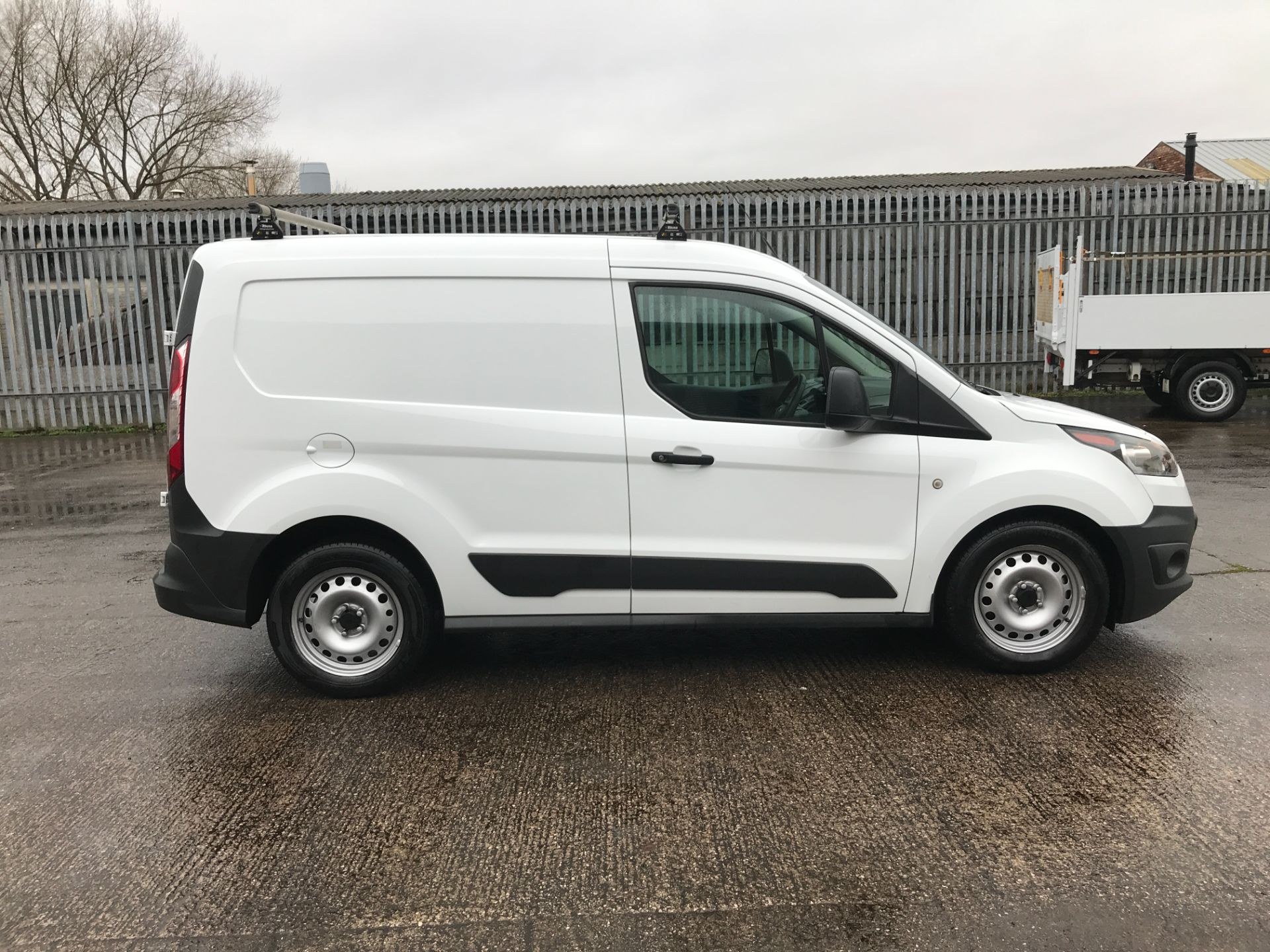 2017 Ford Transit Connect T200 L1 H1 1.5TDCI 75PS EURO 6  (FE17UKT) Thumbnail 7