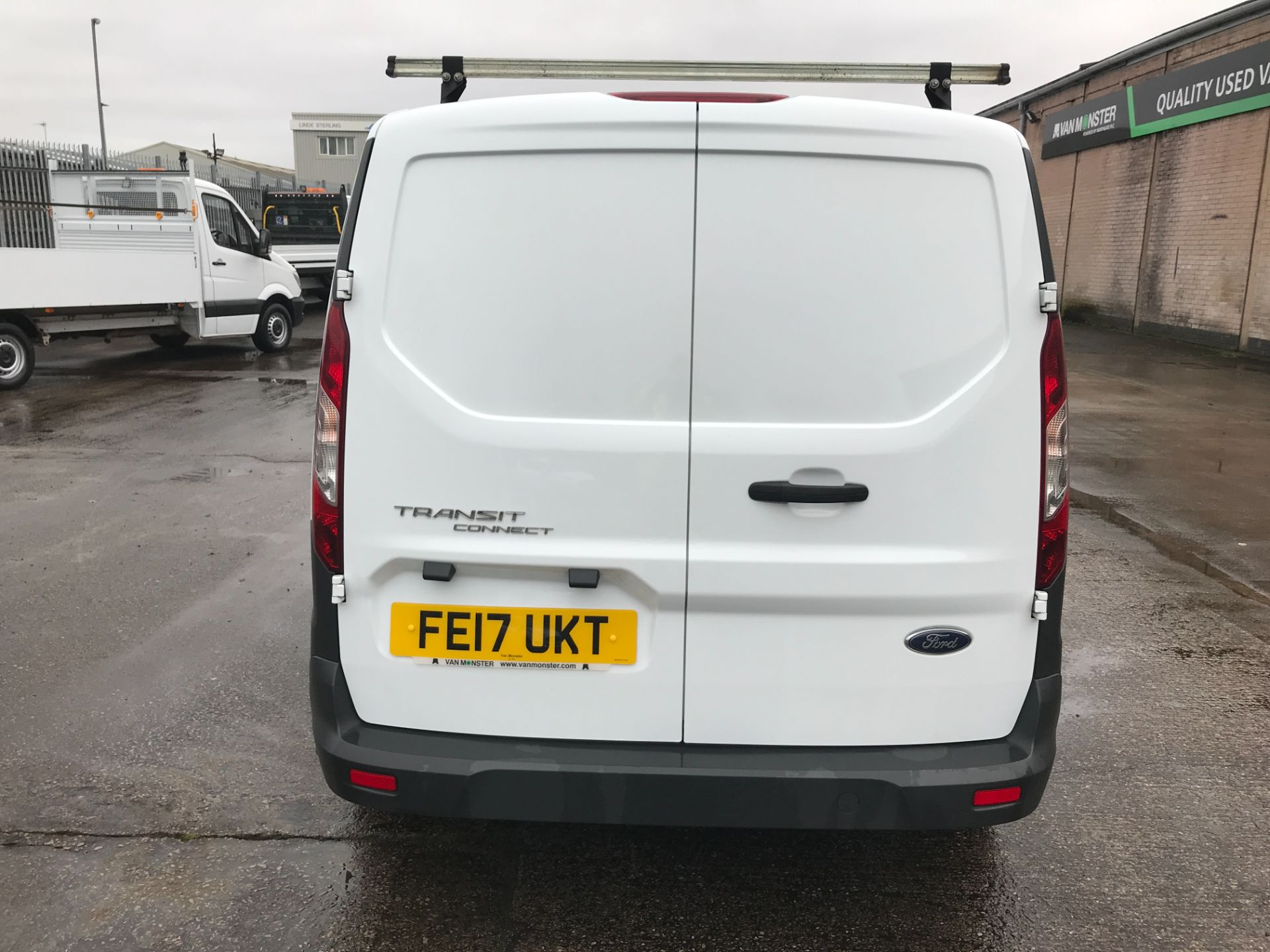 2017 Ford Transit Connect T200 L1 H1 1.5TDCI 75PS EURO 6  (FE17UKT) Thumbnail 9