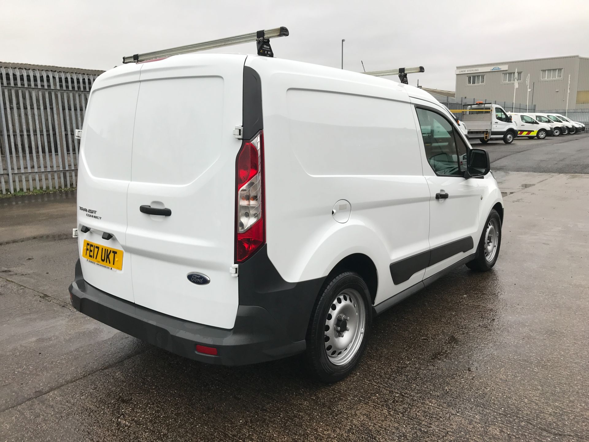 2017 Ford Transit Connect T200 L1 H1 1.5TDCI 75PS EURO 6  (FE17UKT) Thumbnail 8