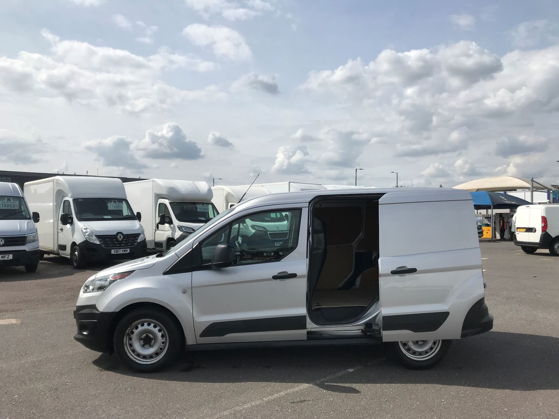 2017 Ford Transit Connect   220 L1 1.5 TDCI 75PS EURO 6 (FE17ULD) Image 10