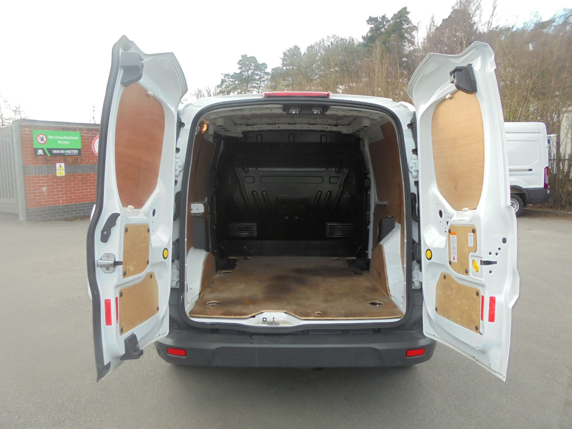 2017 Ford Transit Connect 1.5 Tdci 75Ps Van (FE17UMS) Image 9