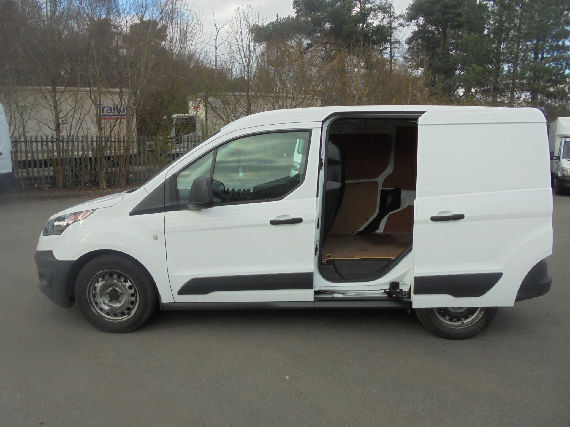 2017 Ford Transit Connect 1.5 Tdci 75Ps Van (FE17UMS) Image 6