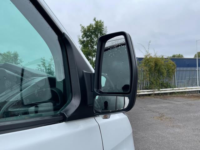 2017 Ford Transit Custom 2.0 Tdci 105Ps Low Roof Van (FE17UMT) Image 5