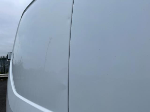 2017 Ford Transit Custom 2.0 Tdci 105Ps Low Roof Van (FE17UMT) Image 16