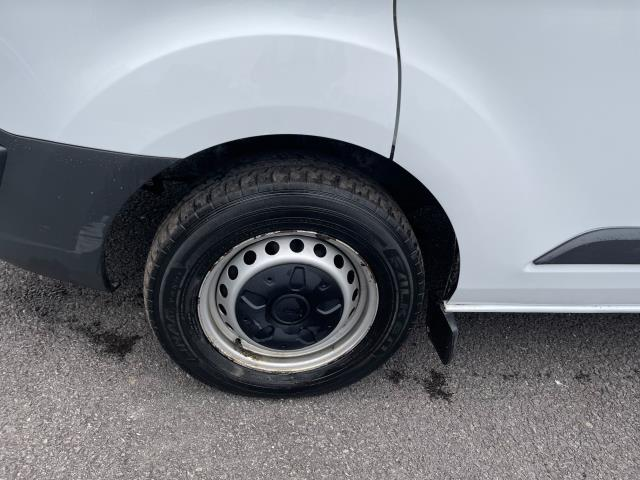 2017 Ford Transit Custom 2.0 Tdci 105Ps Low Roof Van (FE17UMT) Image 10