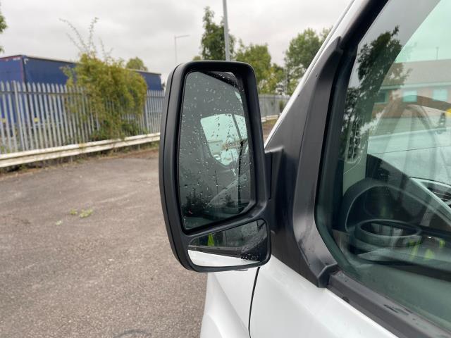2017 Ford Transit Custom 2.0 Tdci 105Ps Low Roof Van (FE17UMT) Image 11