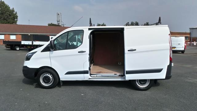 2017 Ford Transit Custom 2.0 Tdci 105Ps Low Roof Van (FE17UMT) Image 25