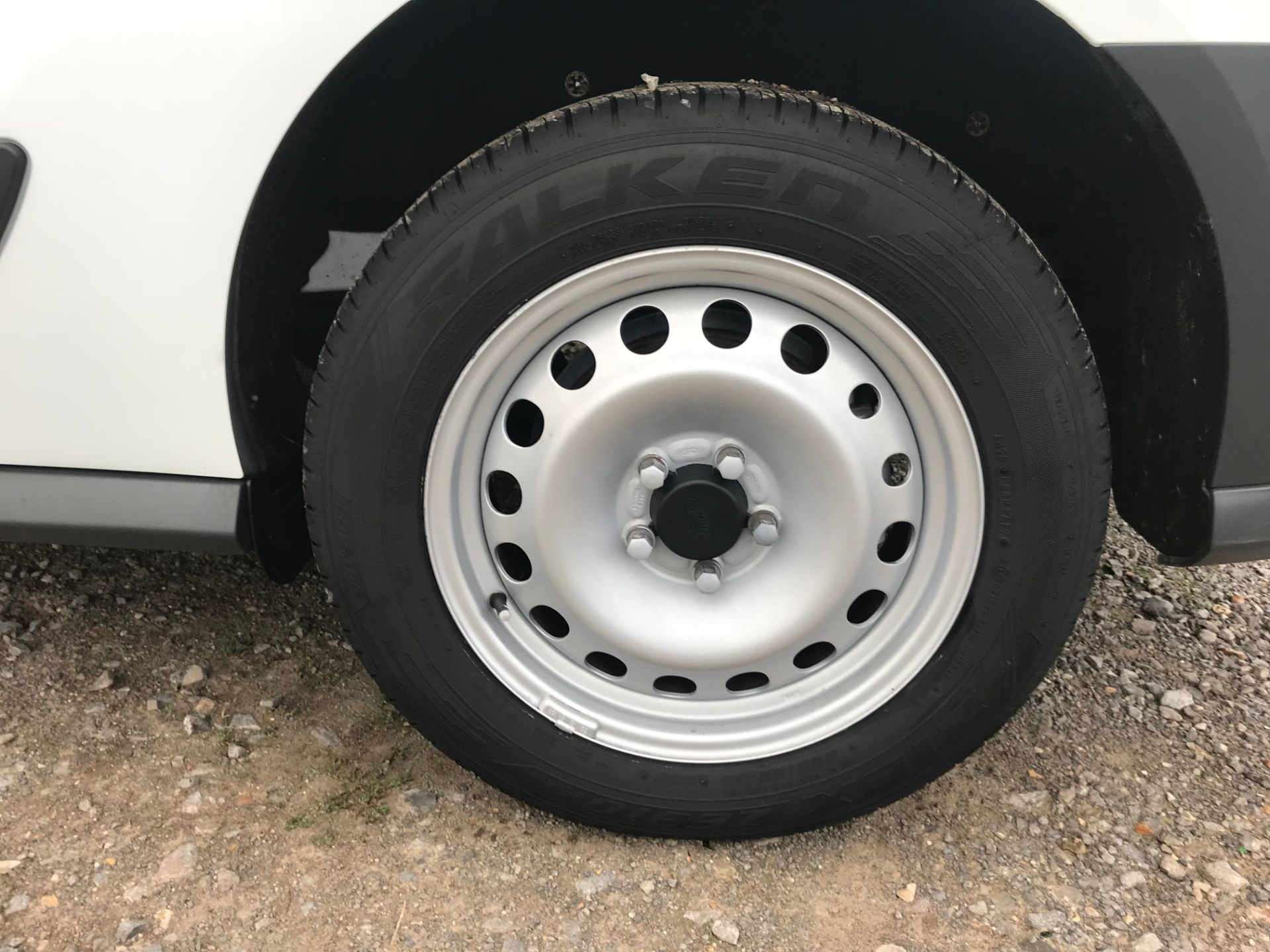 2017 Ford Transit Connect 1.5 Tdci 75Ps Van (FE17UNH) Image 31