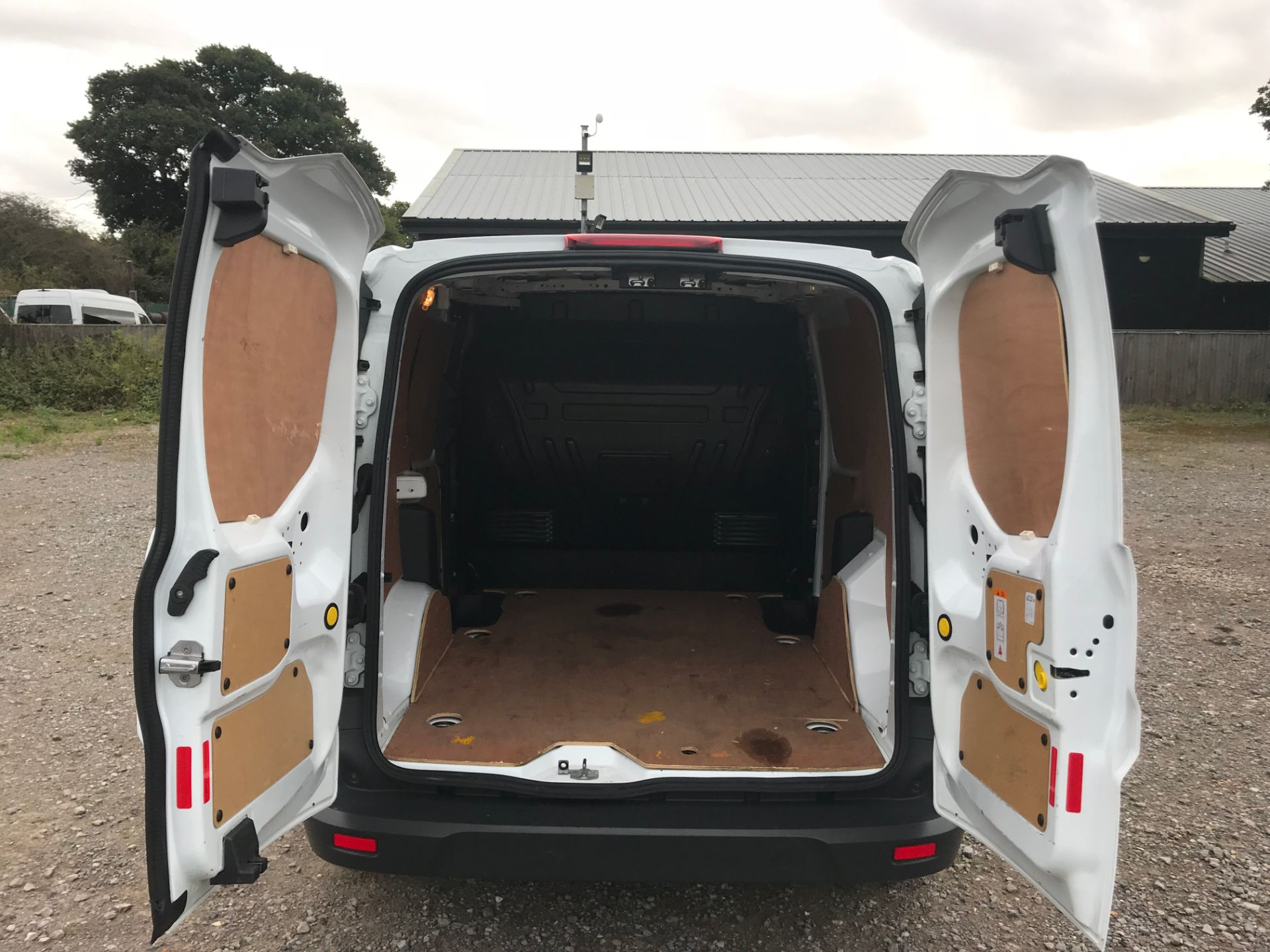 2017 Ford Transit Connect 1.5 Tdci 75Ps Van (FE17UNH) Image 11