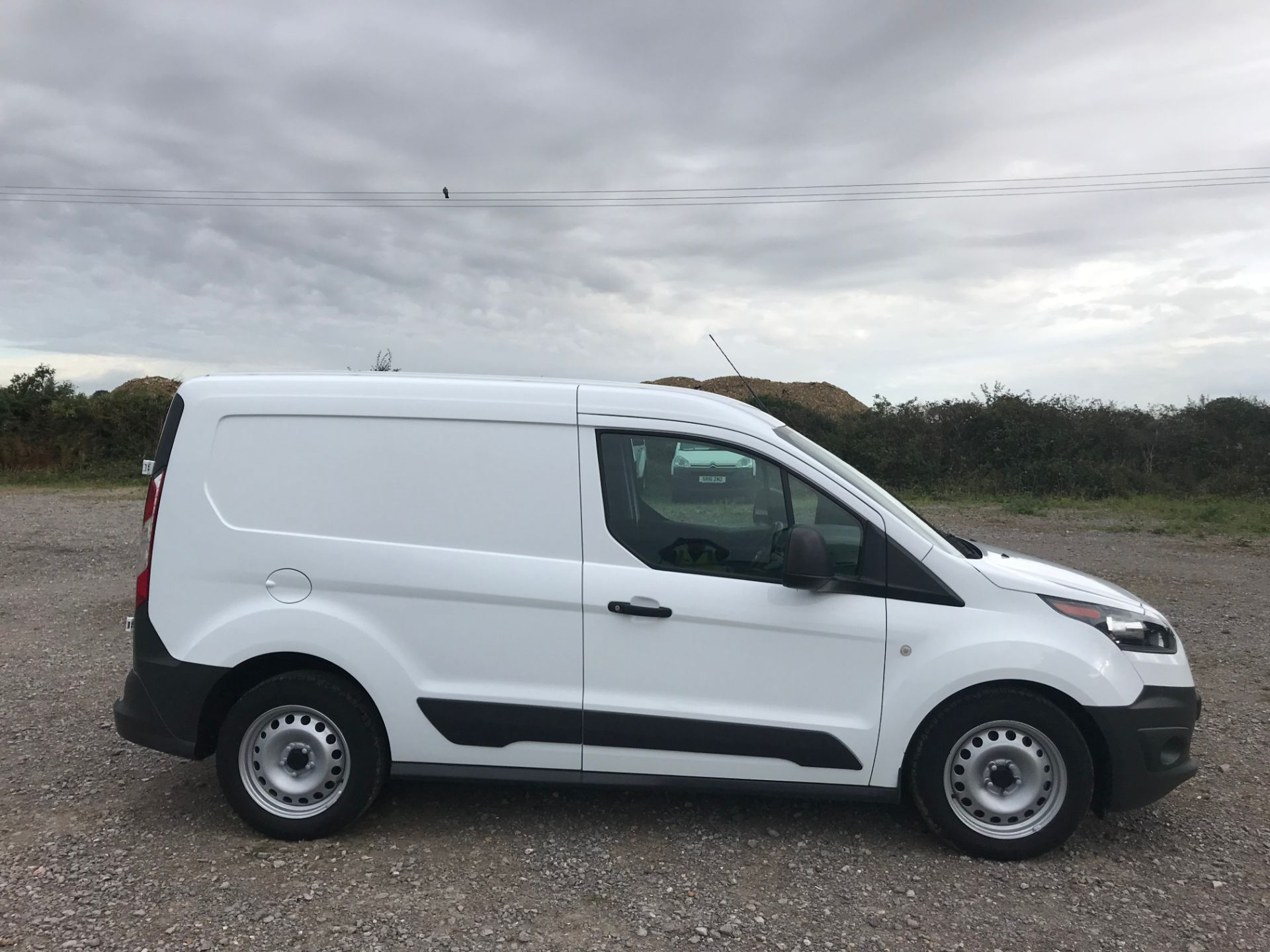 2017 Ford Transit Connect 1.5 Tdci 75Ps Van (FE17UNH) Image 7