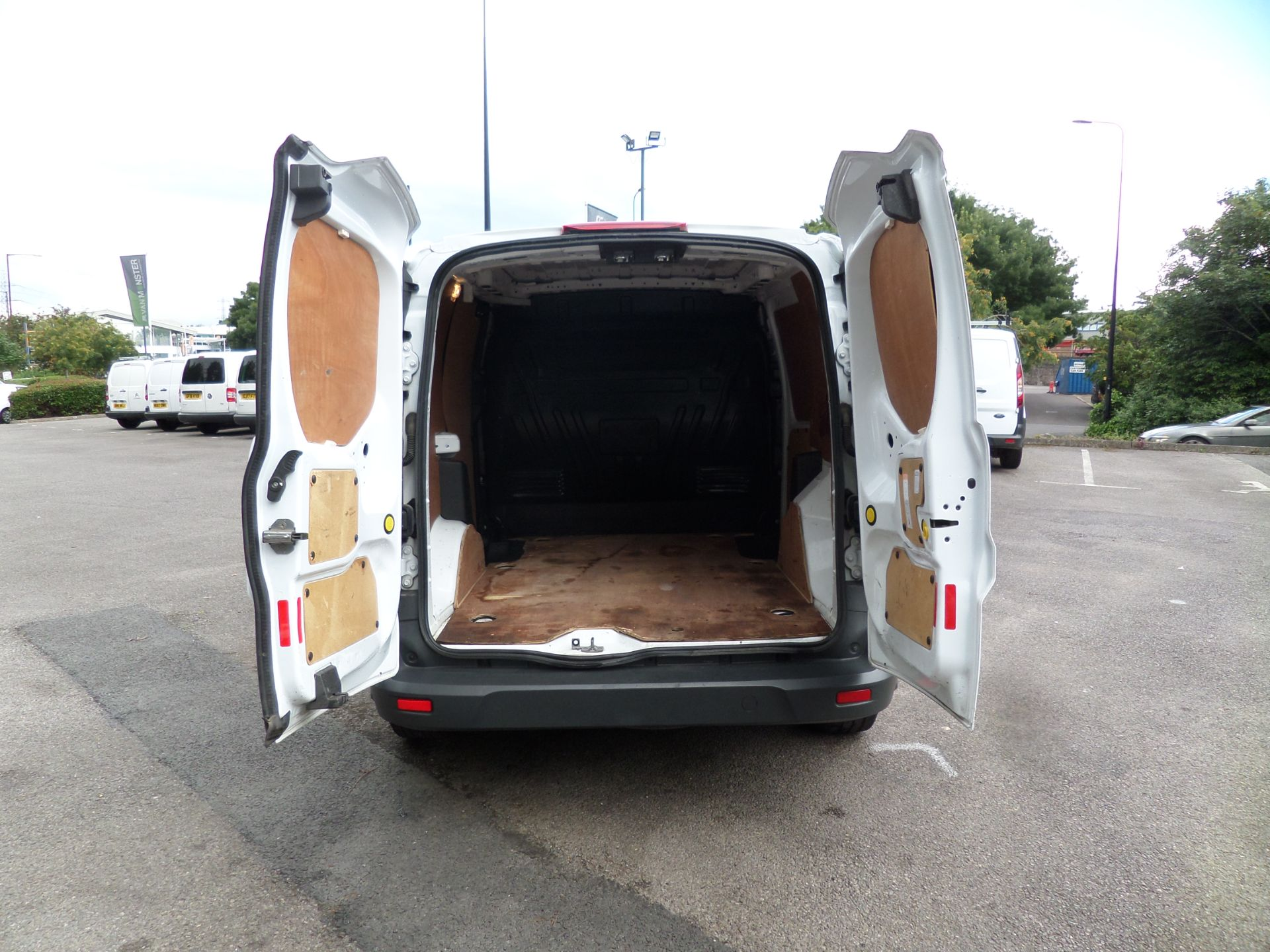 2017 Ford Transit Connect 1.5 Tdci 75Ps Van Euro 6 (FE17UOT) Image 4