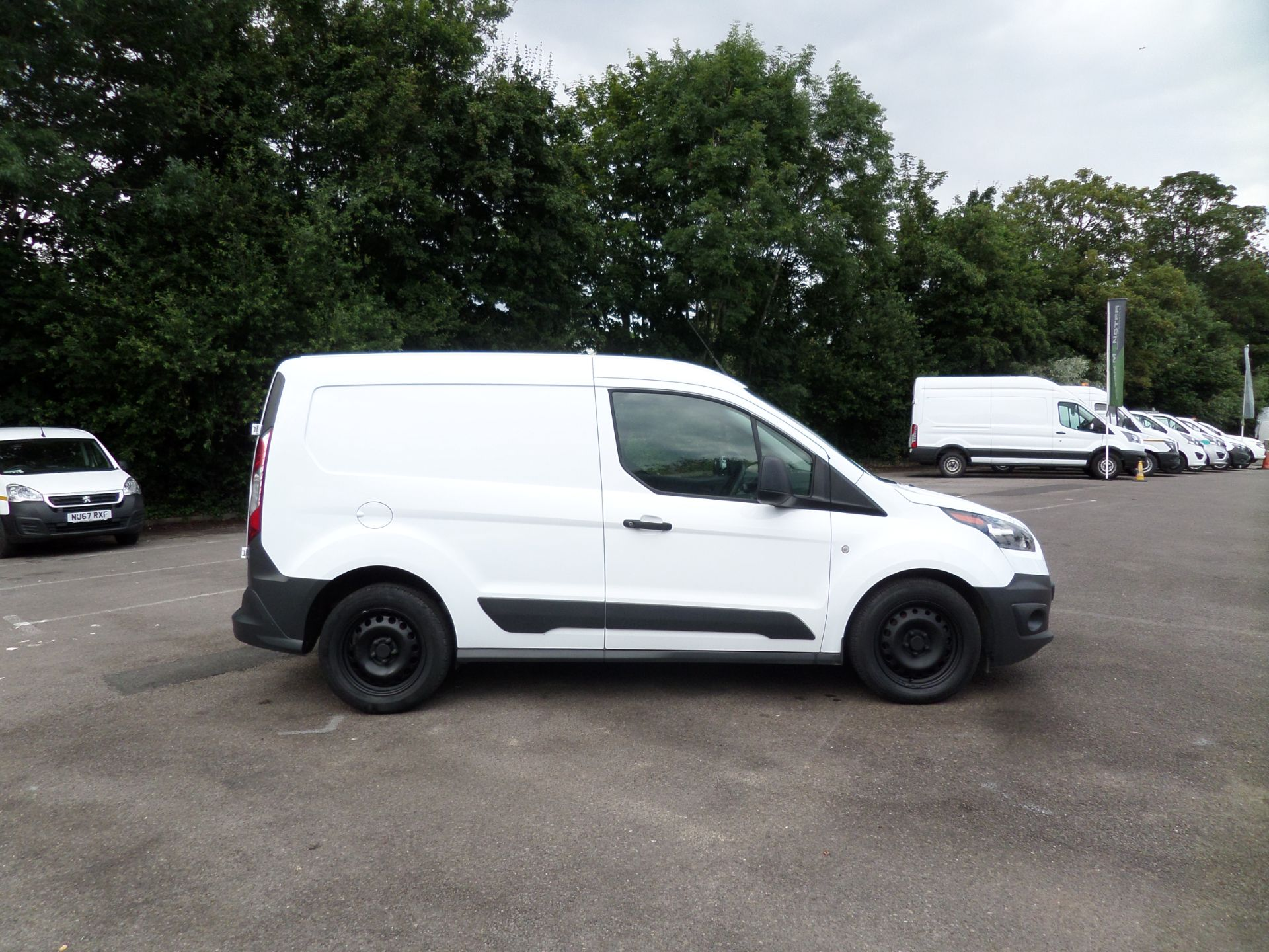 2017 Ford Transit Connect 1.5 Tdci 75Ps Van Euro 6 (FE17UOT) Image 2