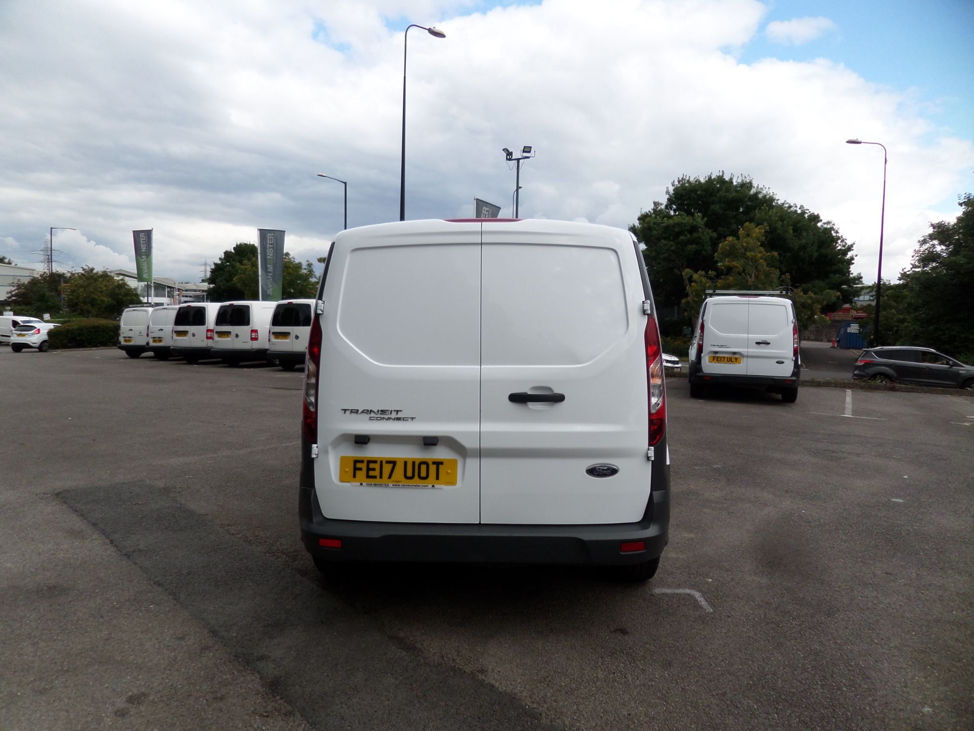 2017 Ford Transit Connect 1.5 Tdci 75Ps Van Euro 6 (FE17UOT) Image 3