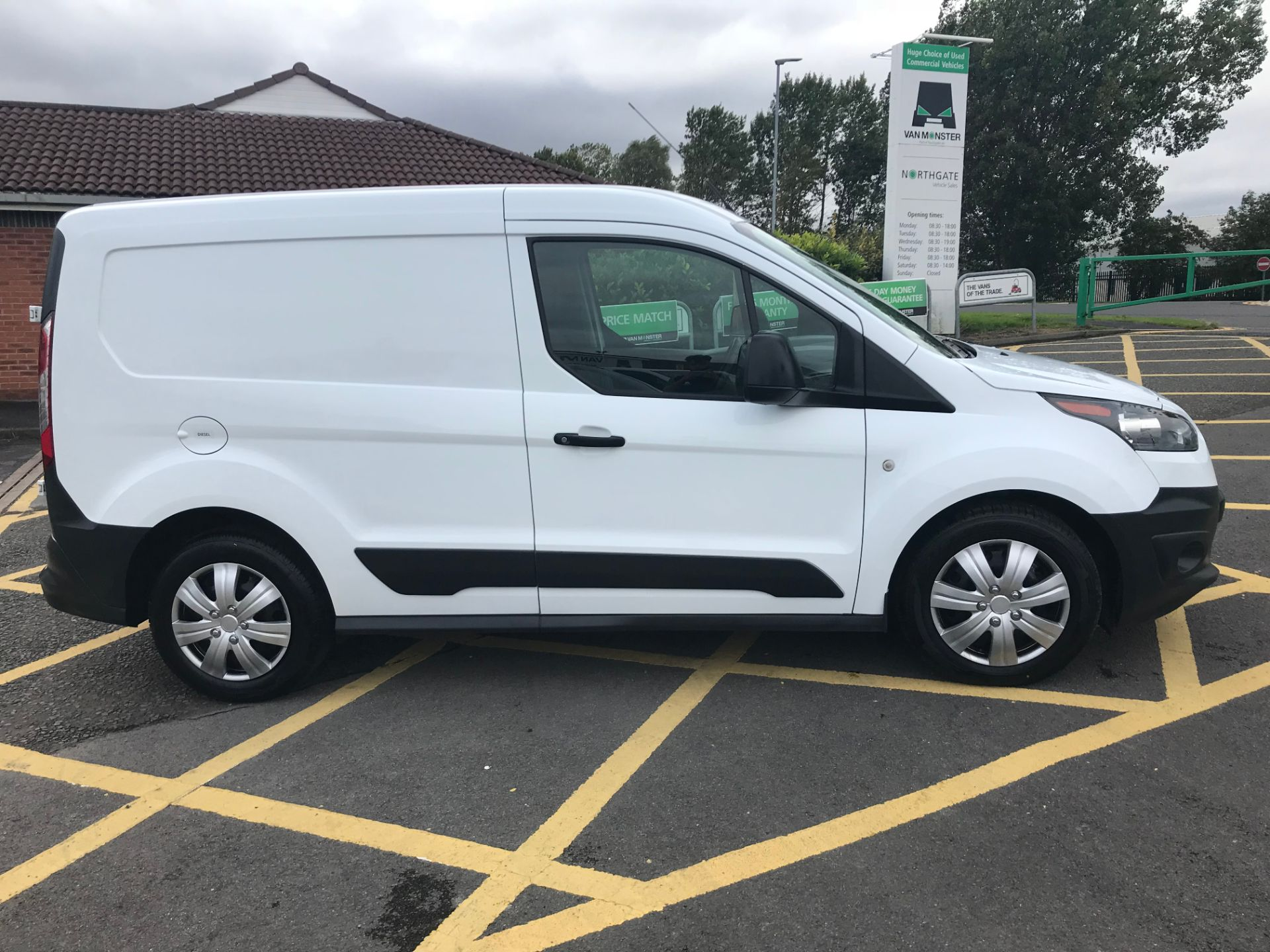 2017 Ford Transit Connect 1.5 Tdci 75Ps Van (FE17UPP) Image 8