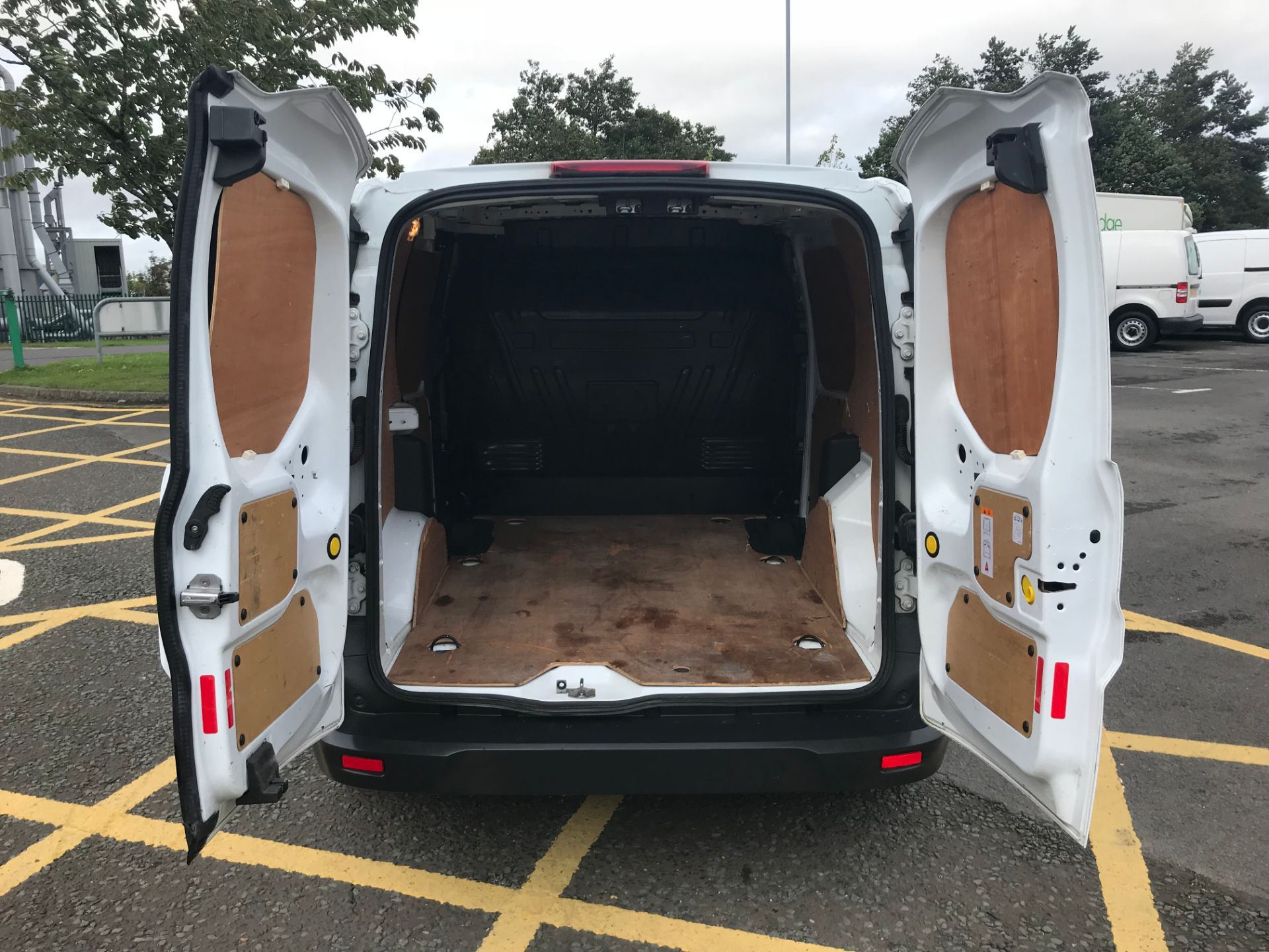 2017 Ford Transit Connect 1.5 Tdci 75Ps Van (FE17UPP) Image 10