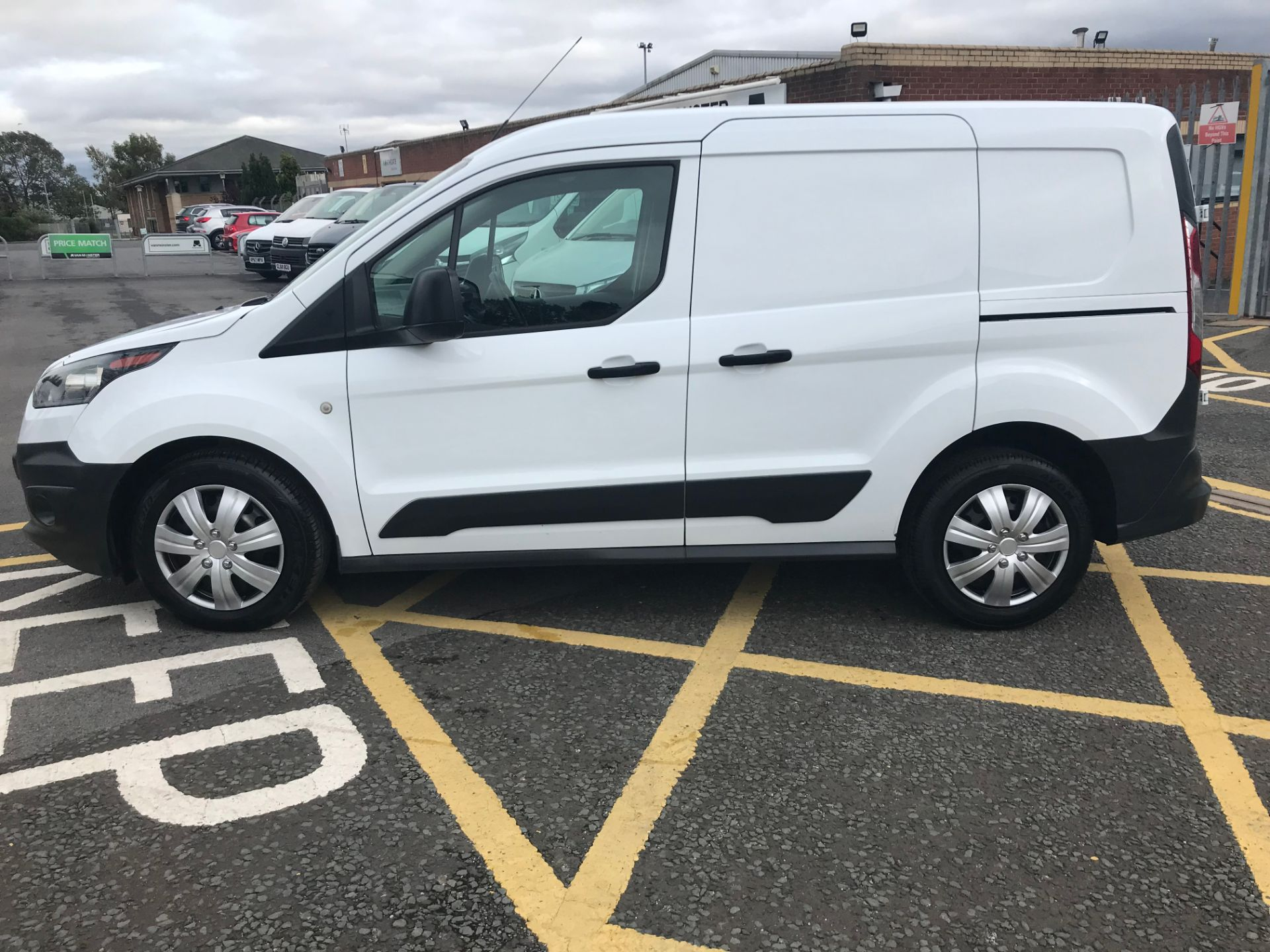 2017 Ford Transit Connect 1.5 Tdci 75Ps Van (FE17UPP) Image 4