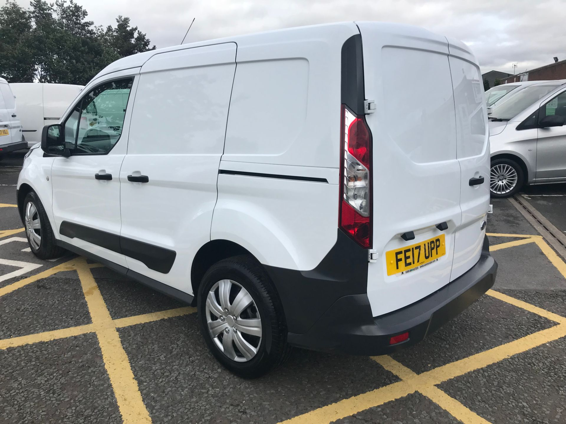 2017 Ford Transit Connect 1.5 Tdci 75Ps Van (FE17UPP) Image 5