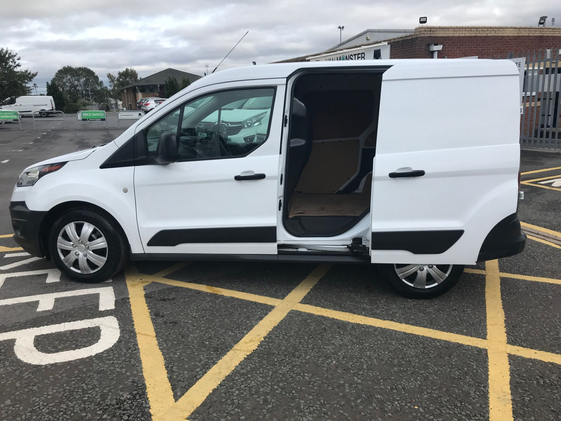 2017 Ford Transit Connect 1.5 Tdci 75Ps Van (FE17UPP) Image 9