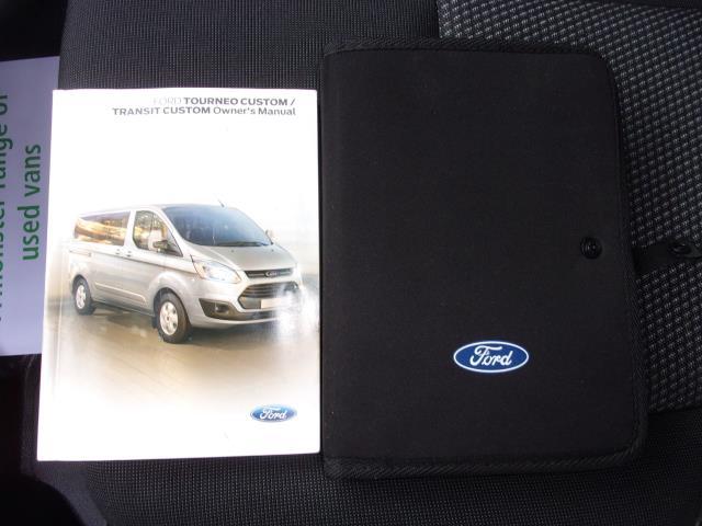 2017 Ford Transit Custom 290 2.0 Tdci 105Ps Low Roof D/Cab Van (FE17UUM) Image 22