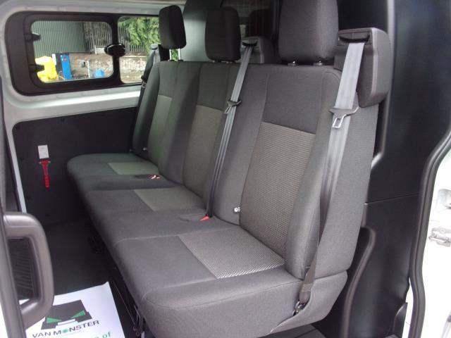 2017 Ford Transit Custom 290 2.0 Tdci 105Ps Low Roof D/Cab Van (FE17UUM) Image 19