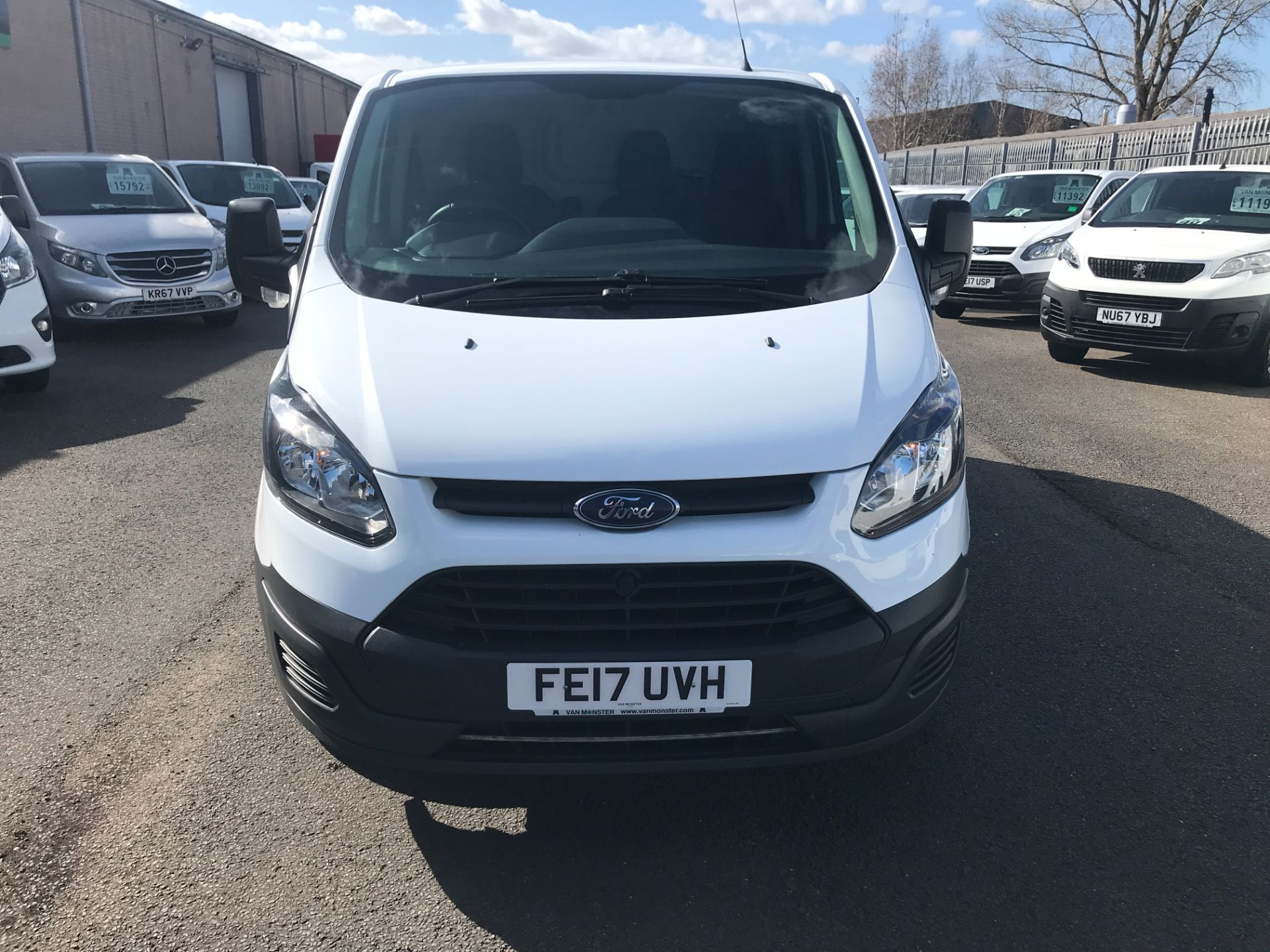 2017 Ford Transit Custom  290 L1 2.0TDCI 105PS LOW ROOF EURO 6 (FE17UVH) Image 2