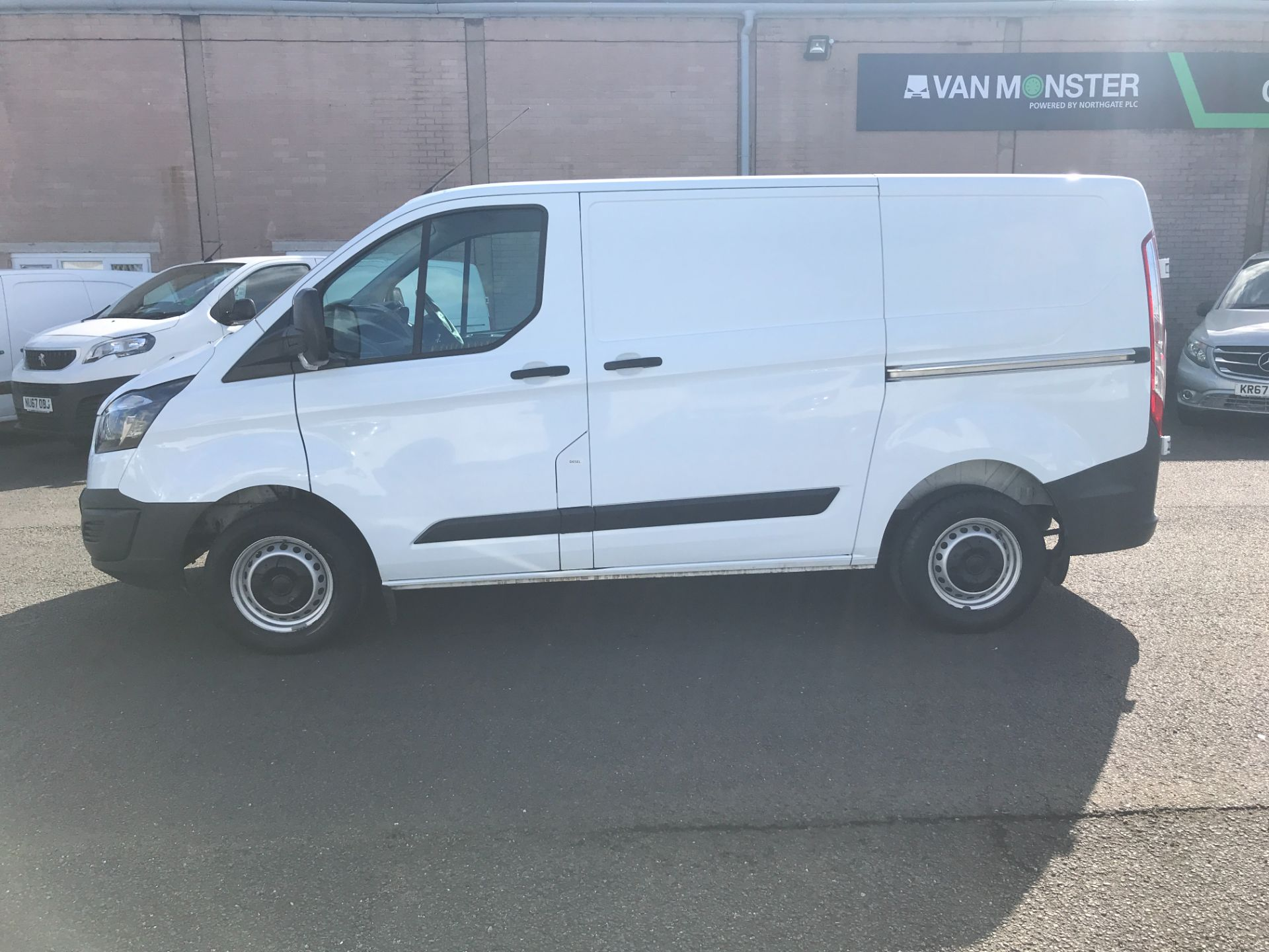 2017 Ford Transit Custom  290 L1 2.0TDCI 105PS LOW ROOF EURO 6 (FE17UVH) Image 4