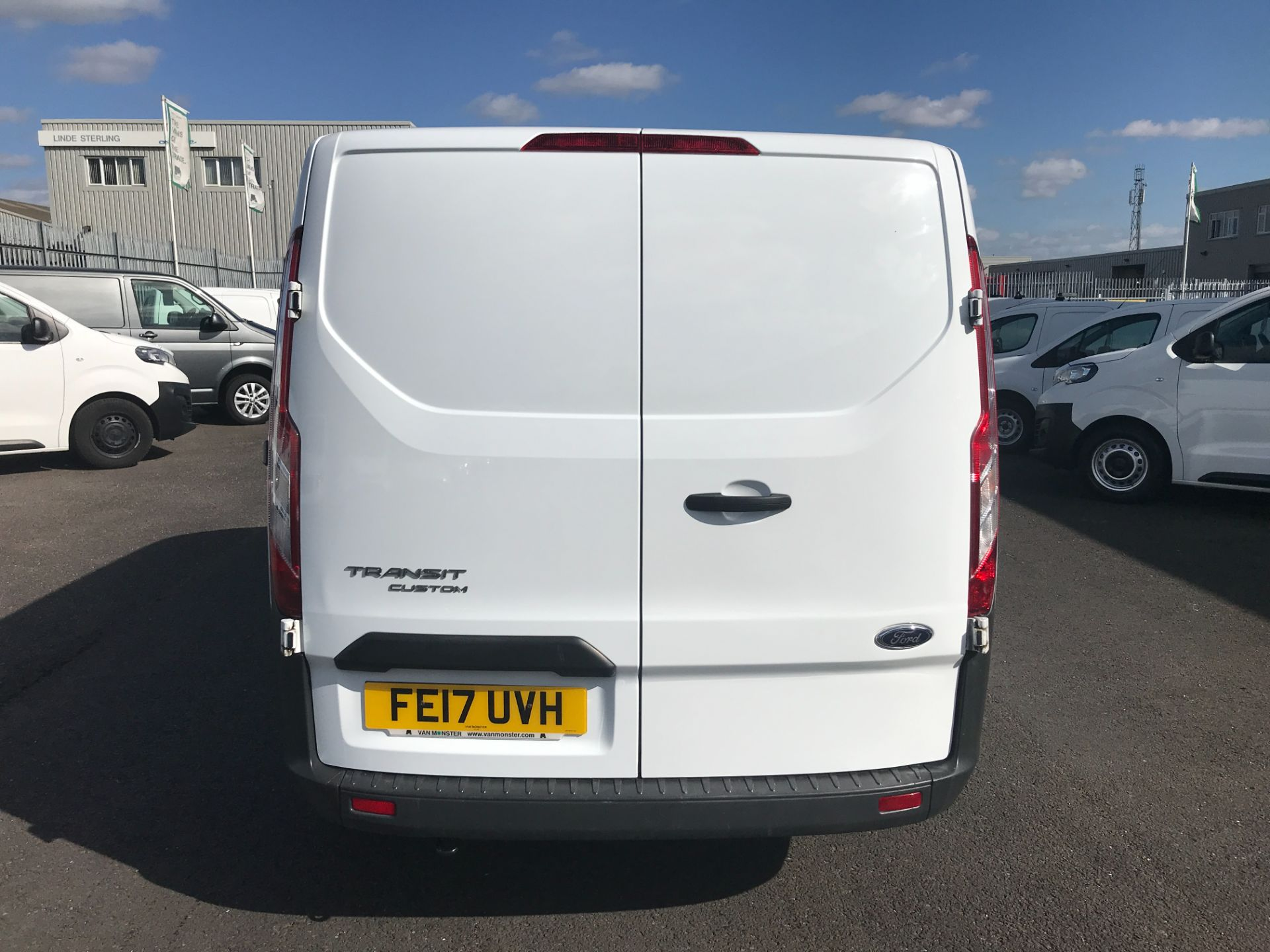 2017 Ford Transit Custom  290 L1 2.0TDCI 105PS LOW ROOF EURO 6 (FE17UVH) Image 7