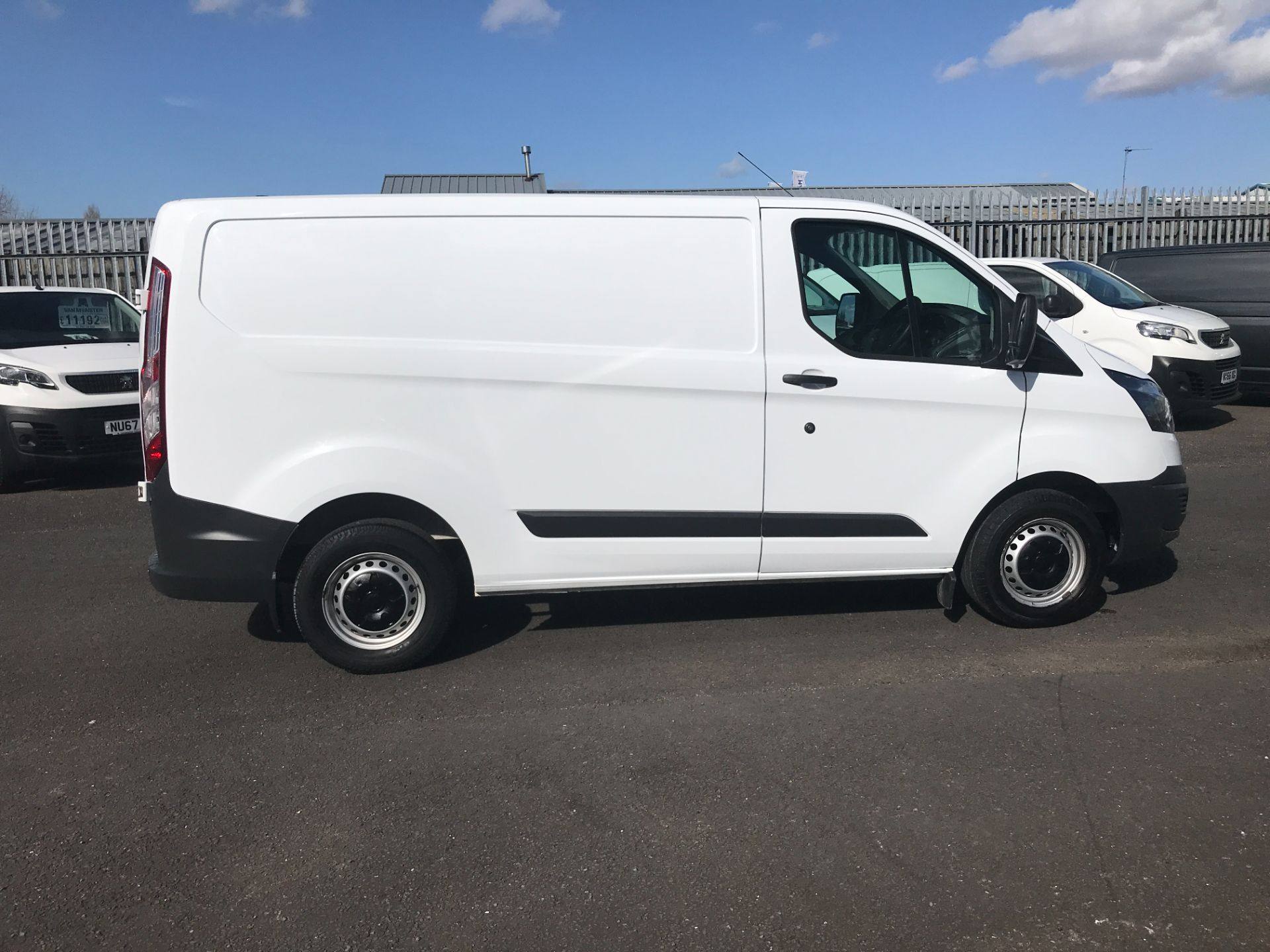 2017 Ford Transit Custom  290 L1 2.0TDCI 105PS LOW ROOF EURO 6 (FE17UVH) Image 12