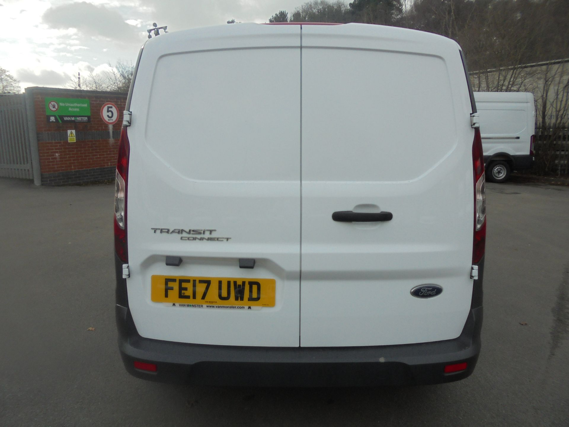 2017 Ford Transit Connect 1.5 Tdci 75Ps Van (FE17UWD) Image 8