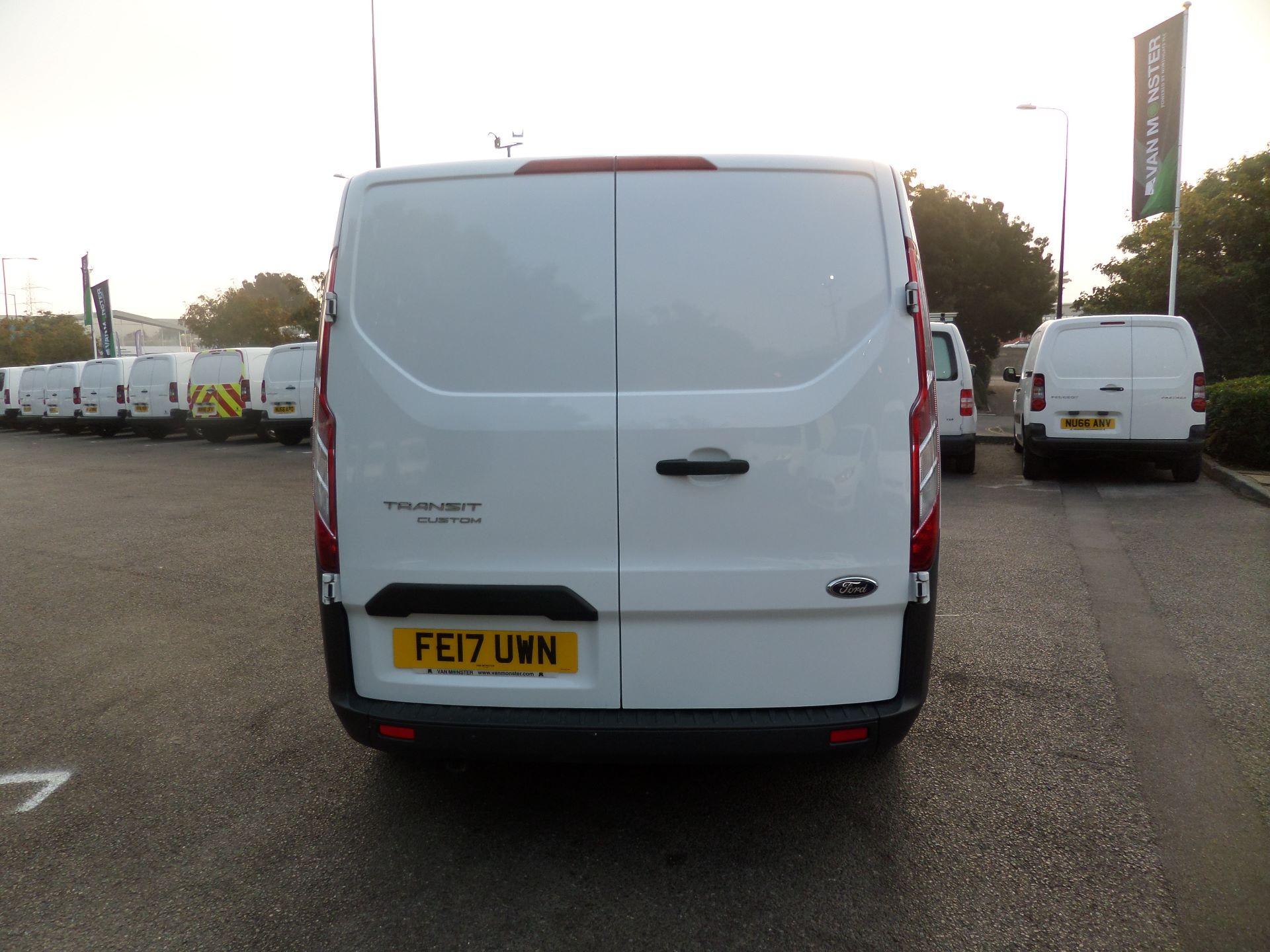 2017 Ford Transit Custom 2.0 Tdci 105Ps Low Roof Van Euro 6 (FE17UWN) Image 3