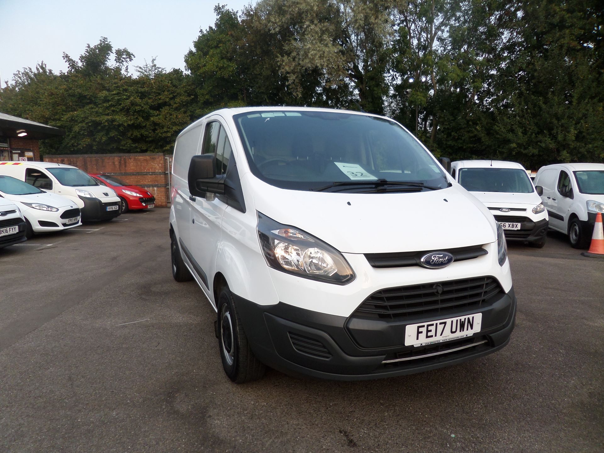 2017 Ford Transit Custom 2.0 Tdci 105Ps Low Roof Van Euro 6 (FE17UWM)
