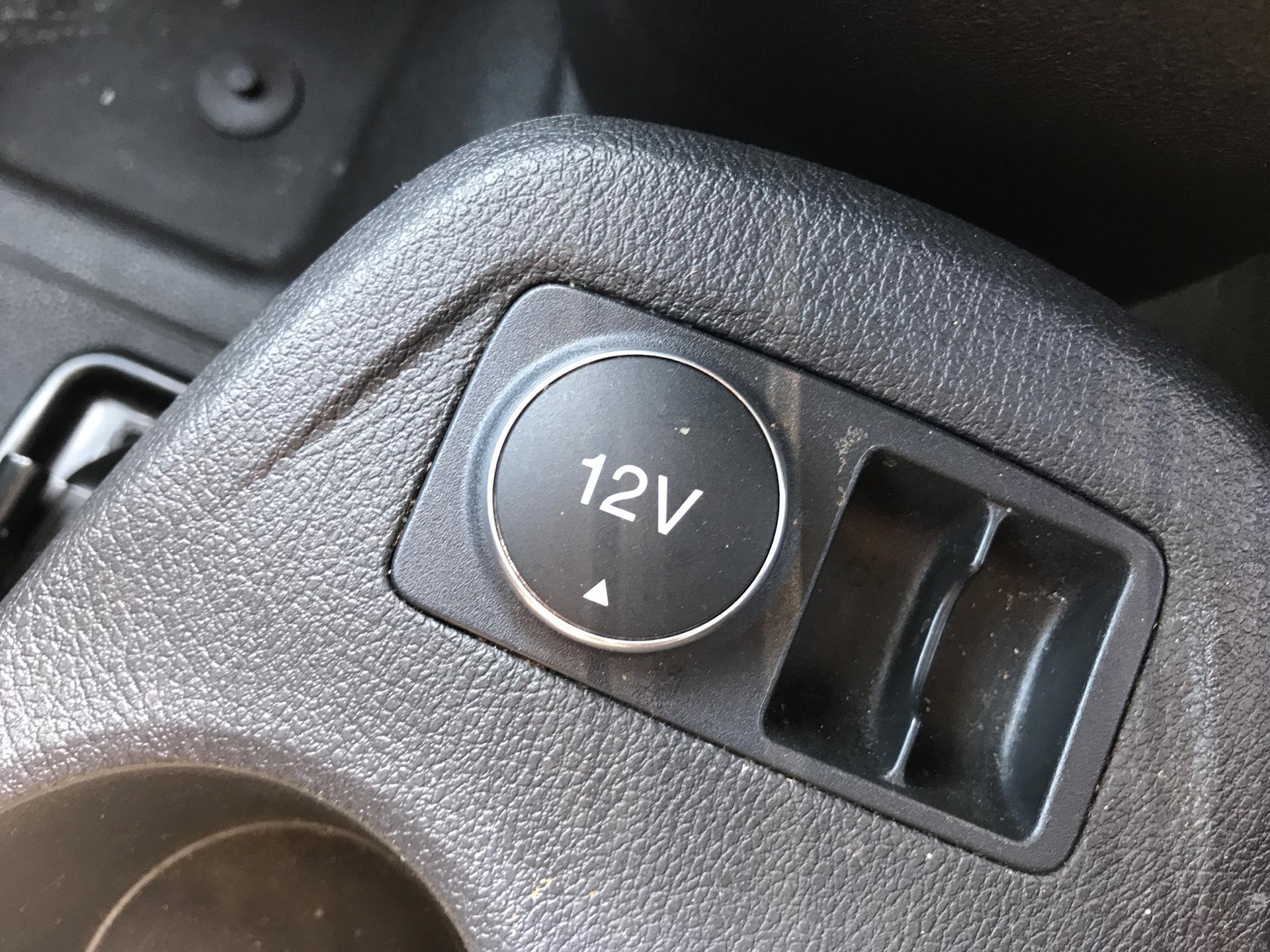 2017 Ford Transit Connect 220 L1 DIESEL 1.5 TDCI 75PS VAN EURO 6 (FE17UWZ) Image 18