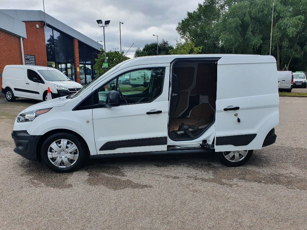2017 Ford Transit Connect  200 L1 Diesel 1.5 TDCi 75PS Van EURO 6 (FE17UYS) Image 13