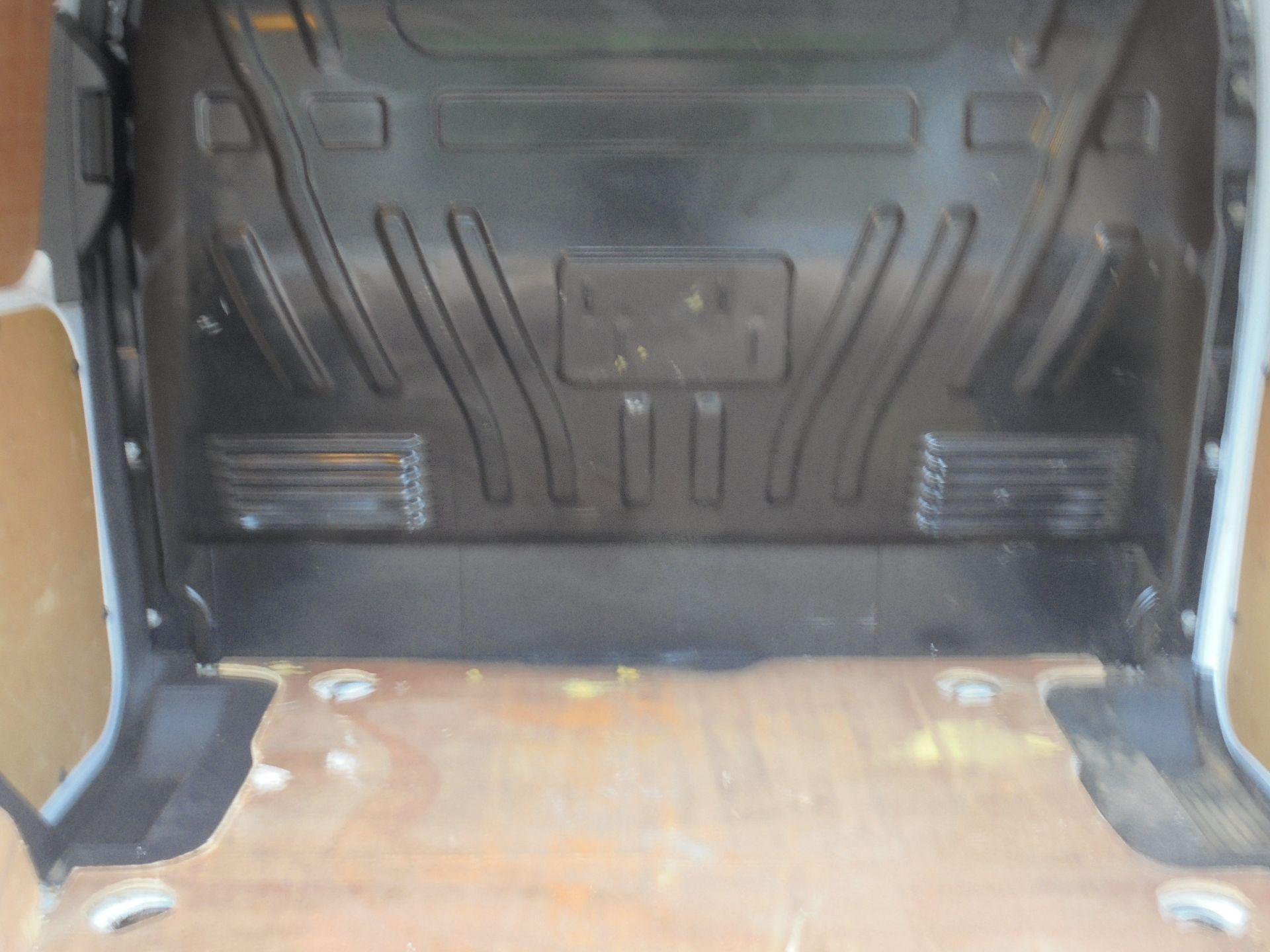 2017 Ford Transit Connect 1.5 Tdci 75Ps Van (FE17VBJ) Image 10
