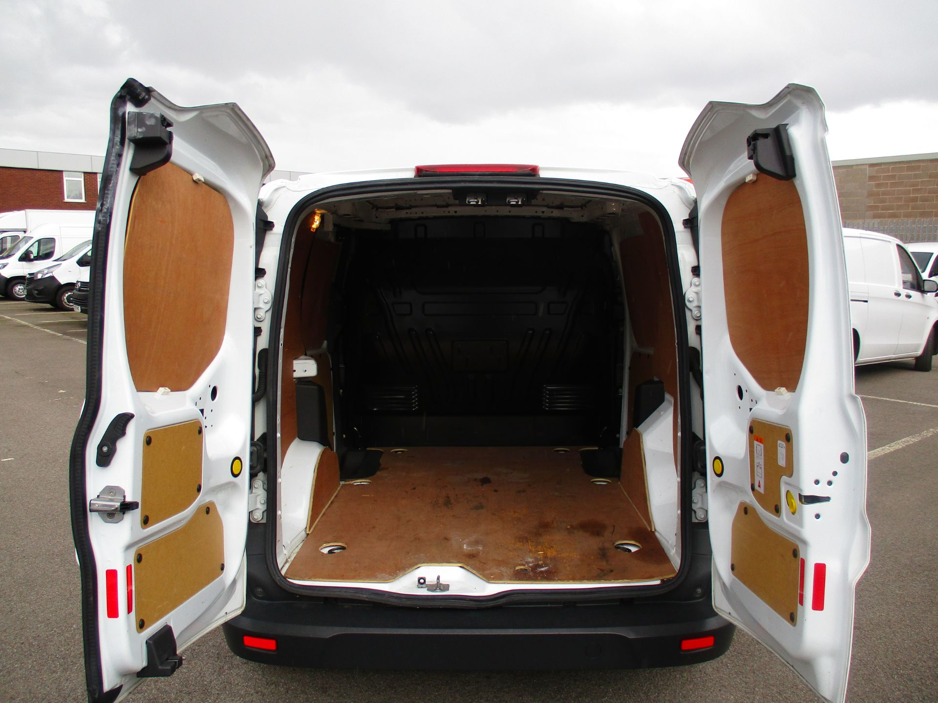 2017 Ford Transit Connect 1.5 Tdci 75Ps Van (FE17VFB) Image 6