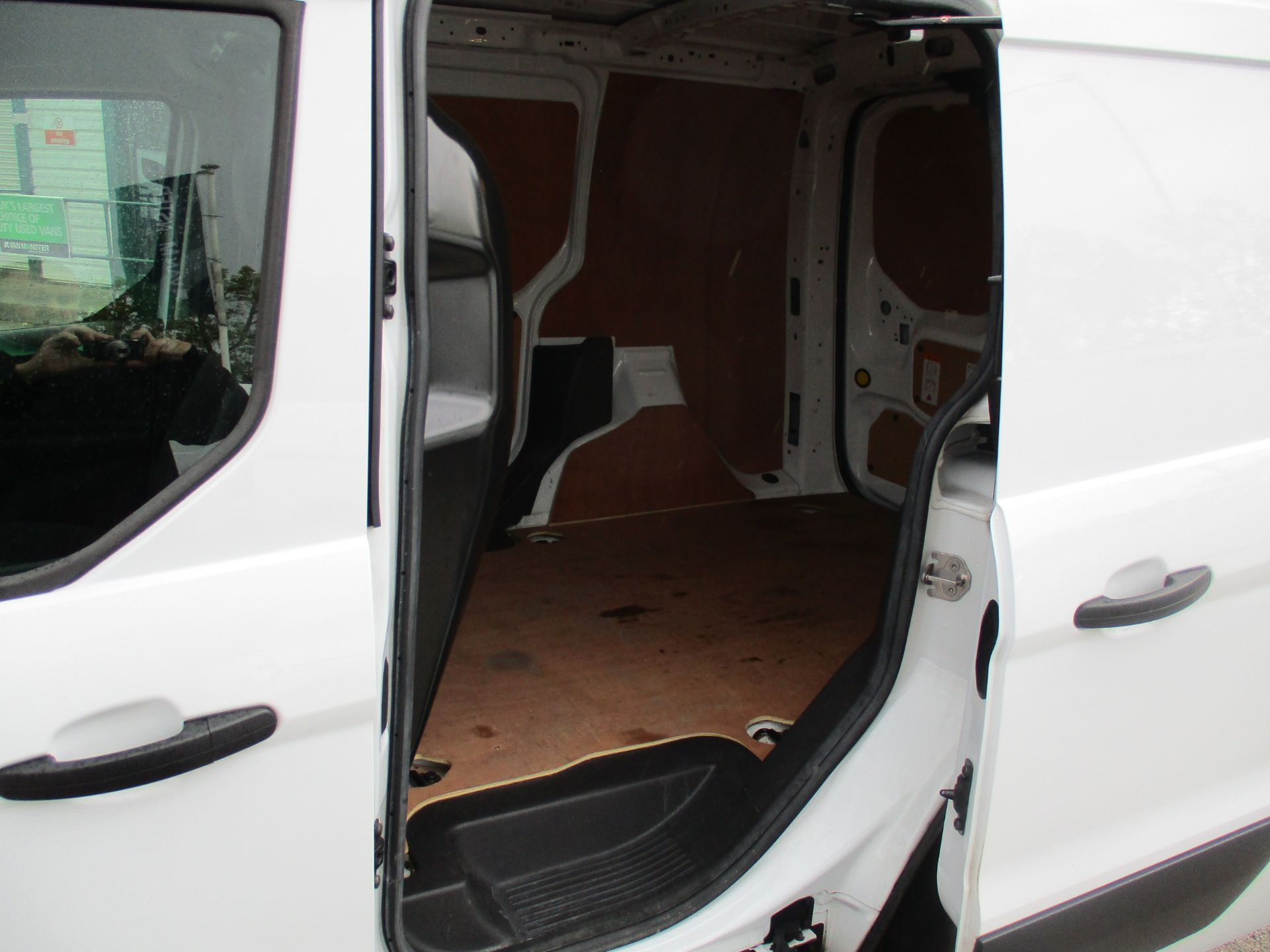 2017 Ford Transit Connect 1.5 Tdci 75Ps Van (FE17VFB) Image 8
